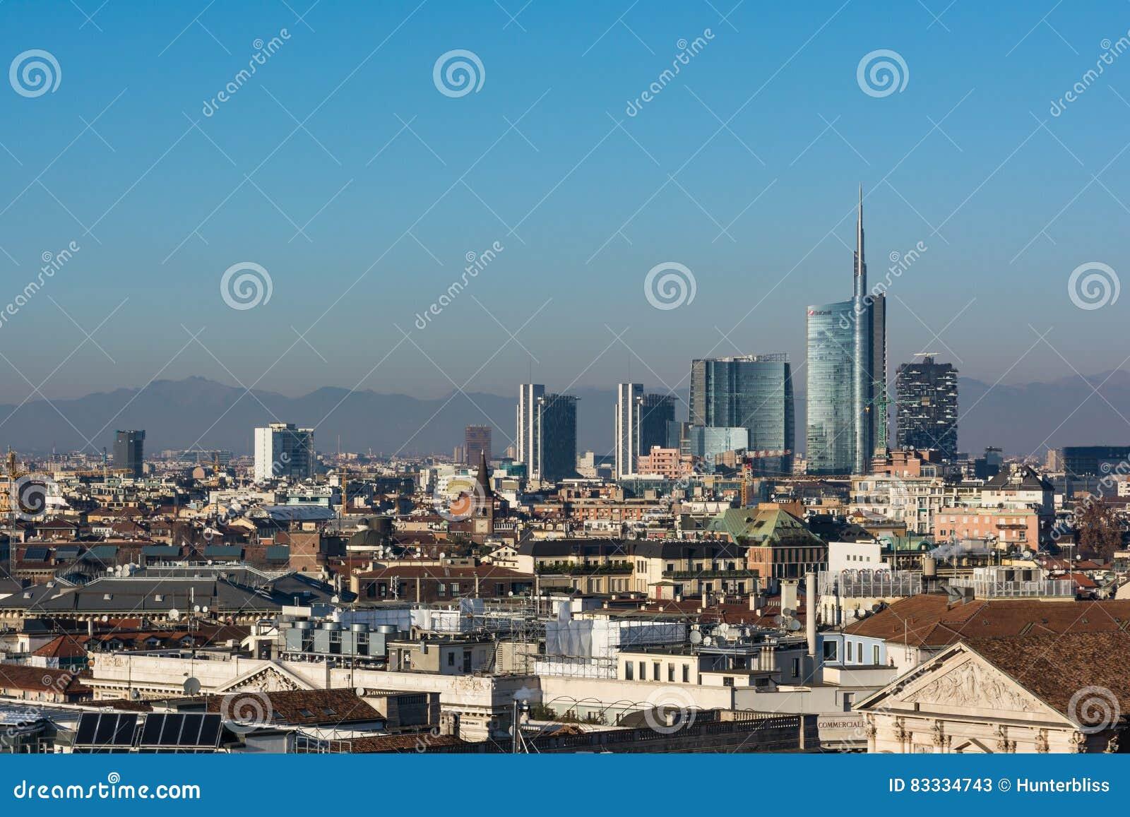 Hiver 2016 d Alpes de montagne de Milan Business District Landscape View