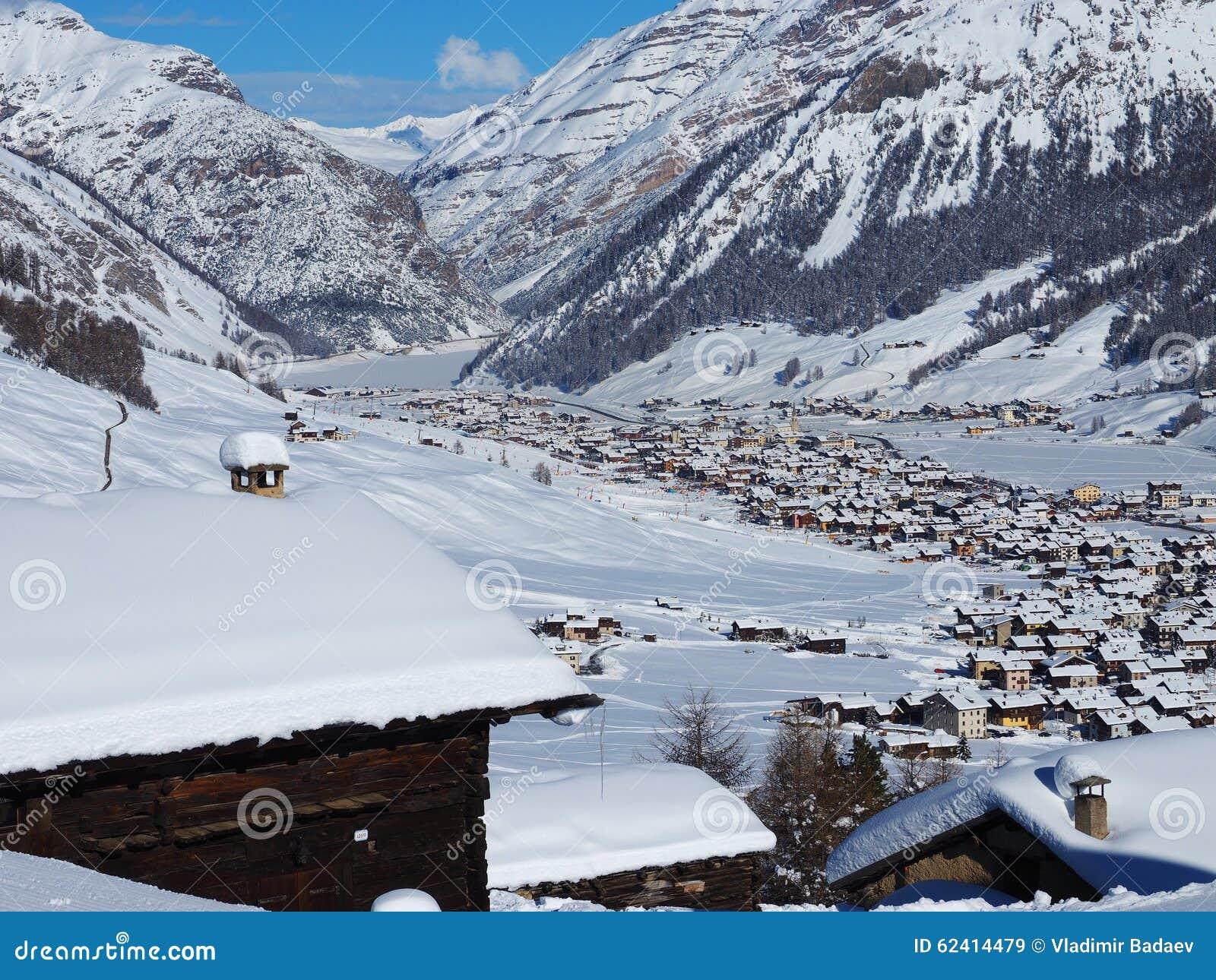 Hiver dans les alpes italie image stock image du bleu for Dans italien