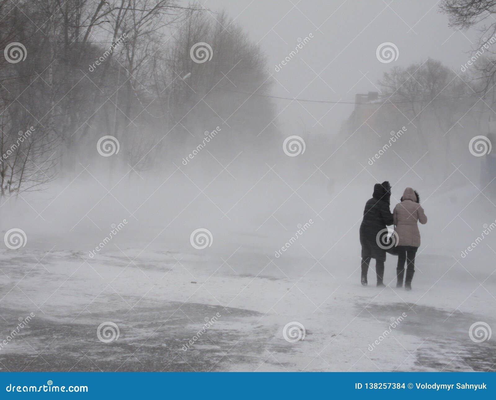 Hiver russe grave blizzard