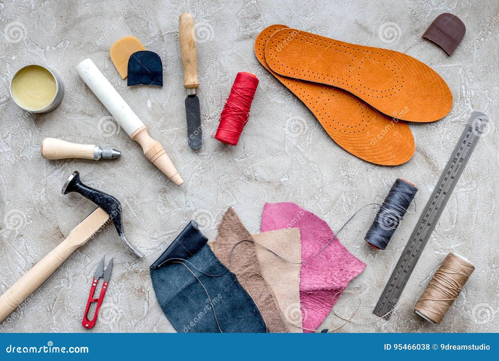 Hjälpmedel För Att Reparera Skor På Grå Färger Stenar Bästa