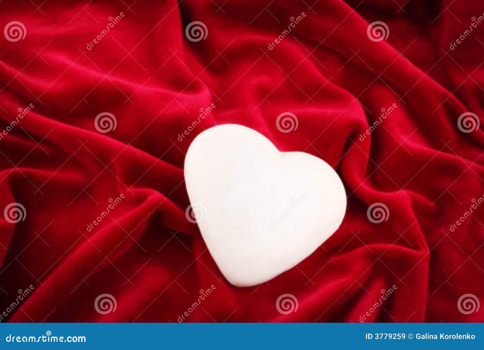 Hjärta en över skinande sammet
