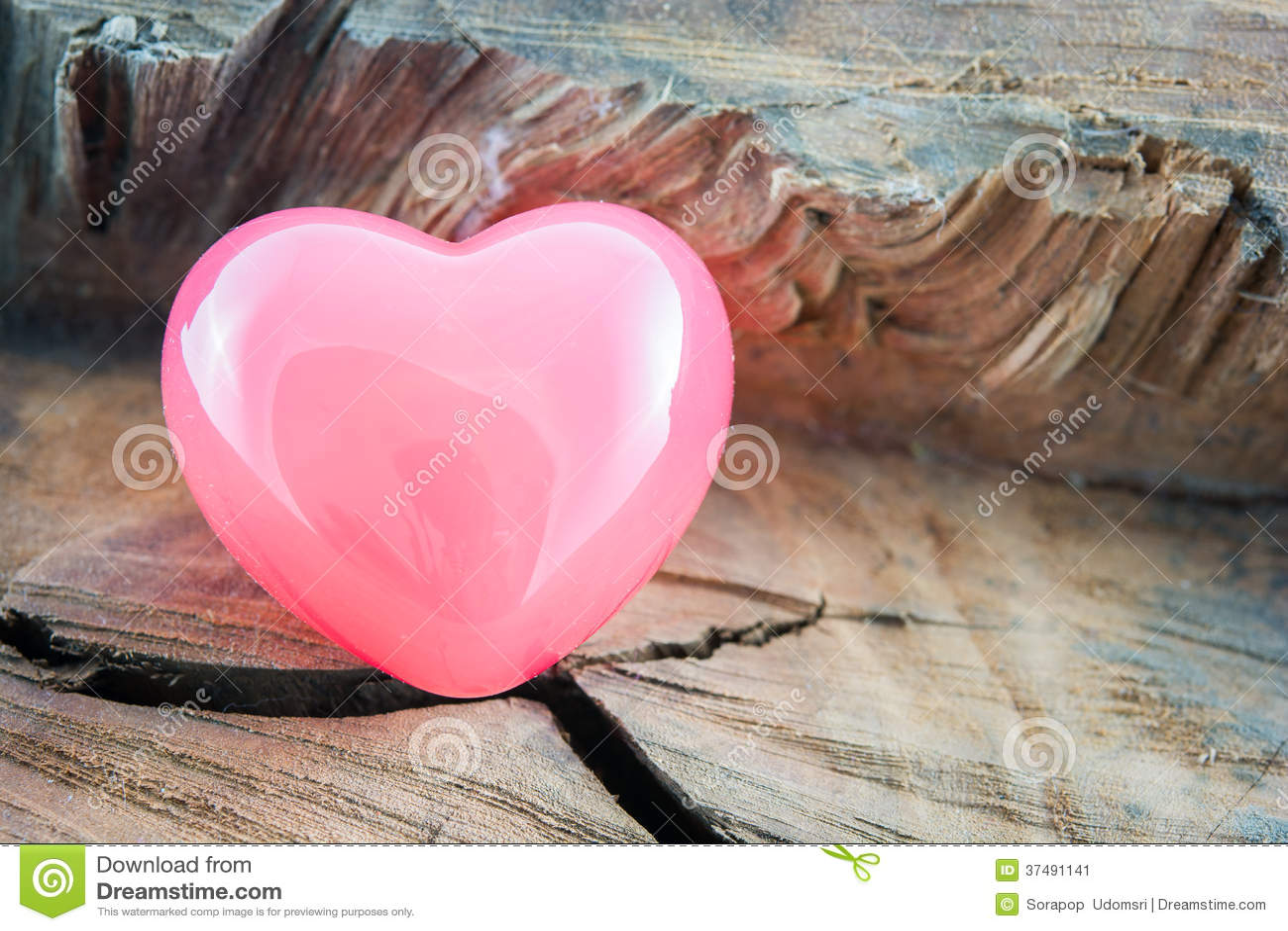 Hjärta för rosa färger för valentindagbakgrund