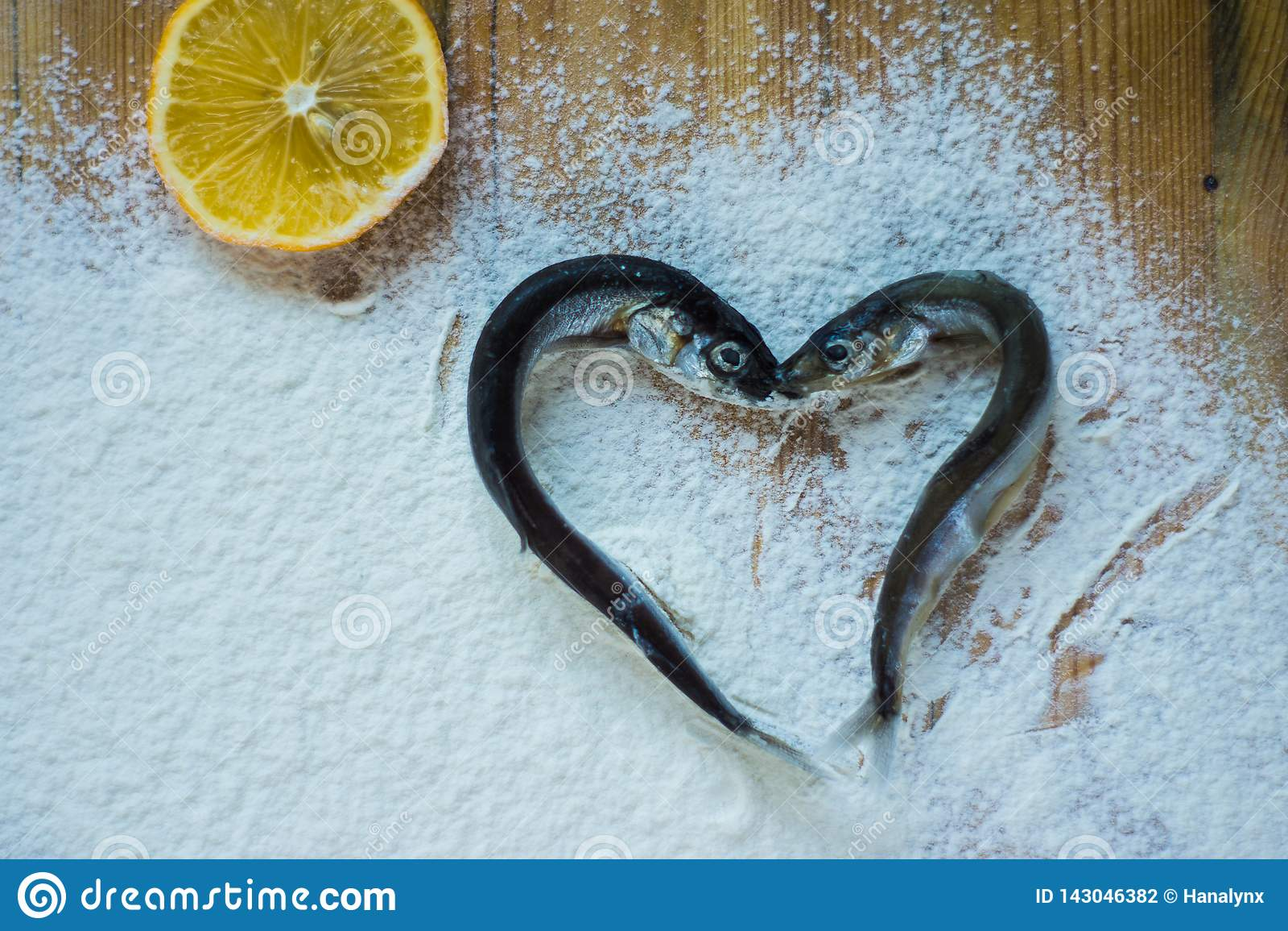 Hjärta formade fisken för att ligga på mjöl