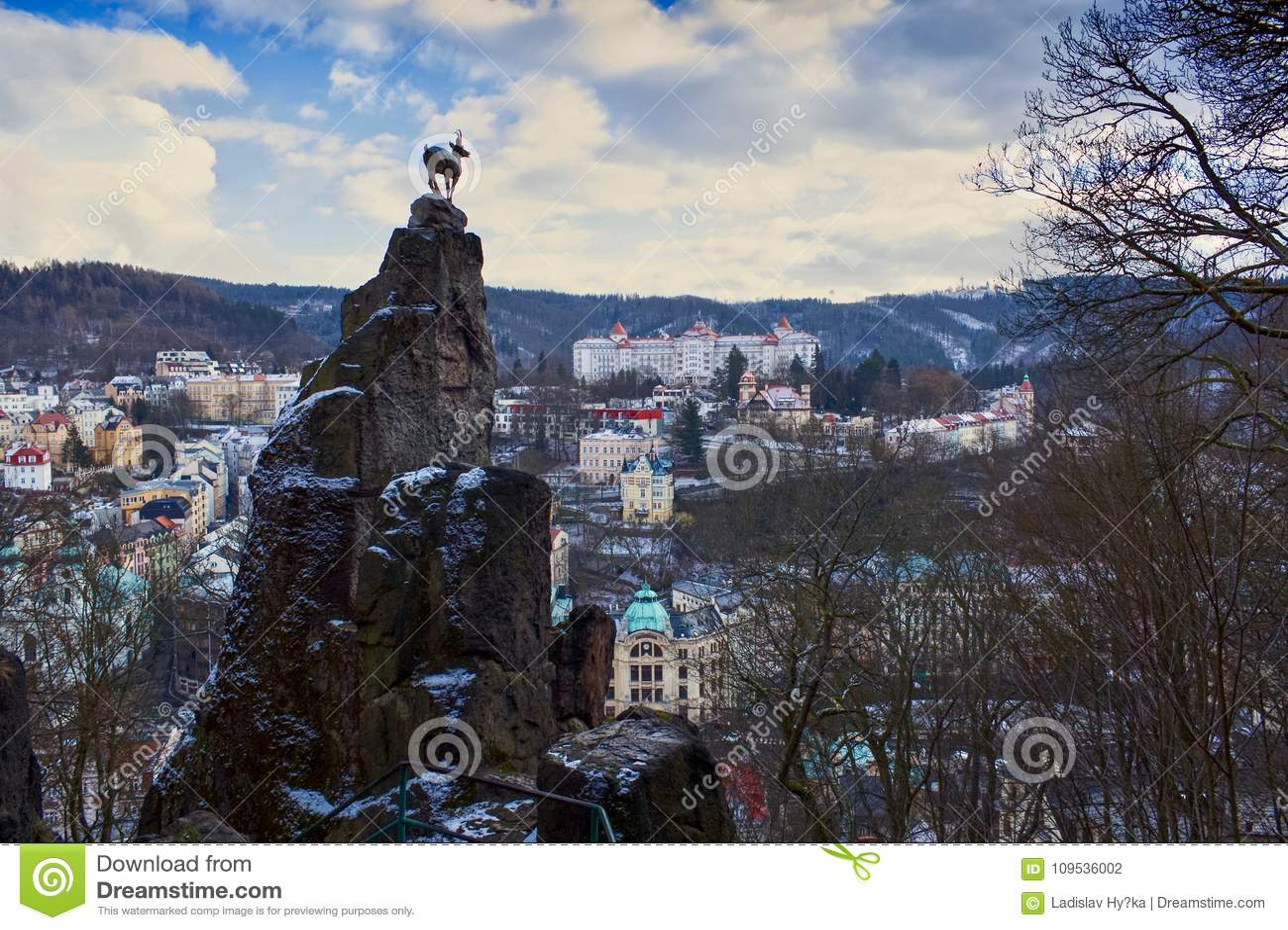 Hjortbanhoppningen i Karlovy varierar