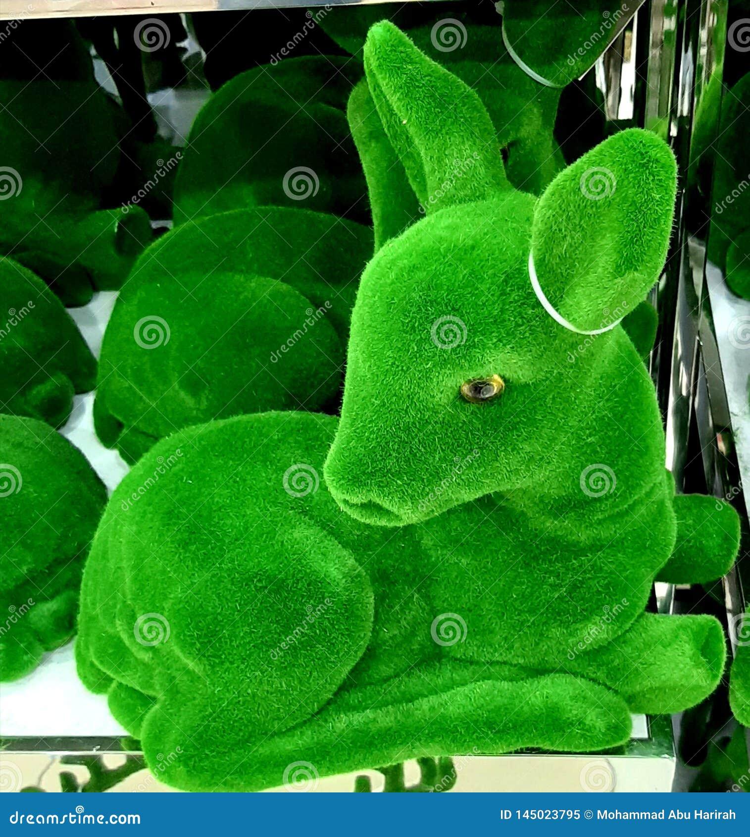 Hjortleksakdess som göras av gräs