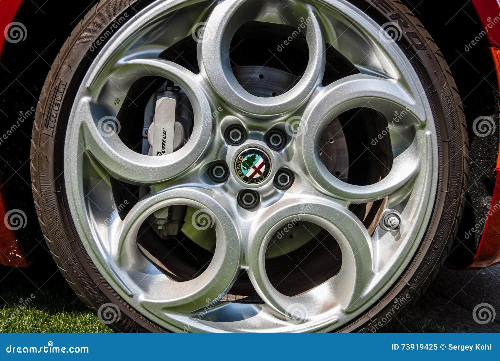Hjul av sportbilen Alfa Romeo 4C ( Typ 960) , efter 2014