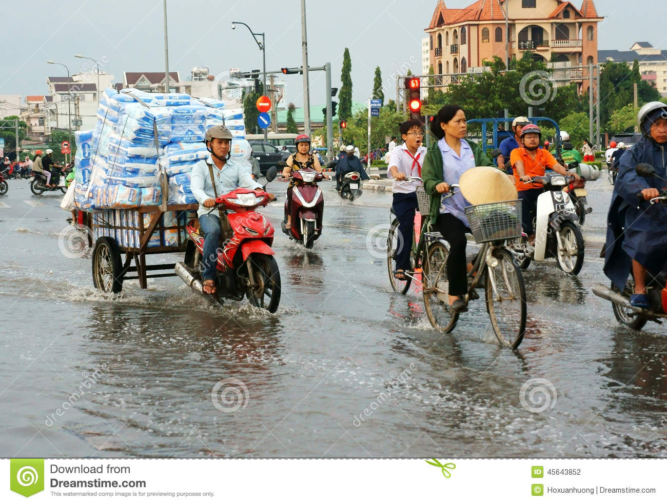 Ho Chi Minh-stad, lood getijde, overstroomd water