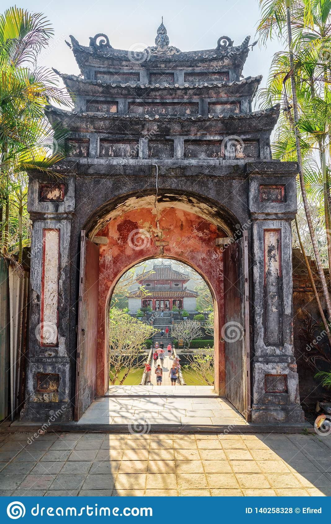 Hoang Trach Mon Gate bei Minh Mang Tomb, Farbe
