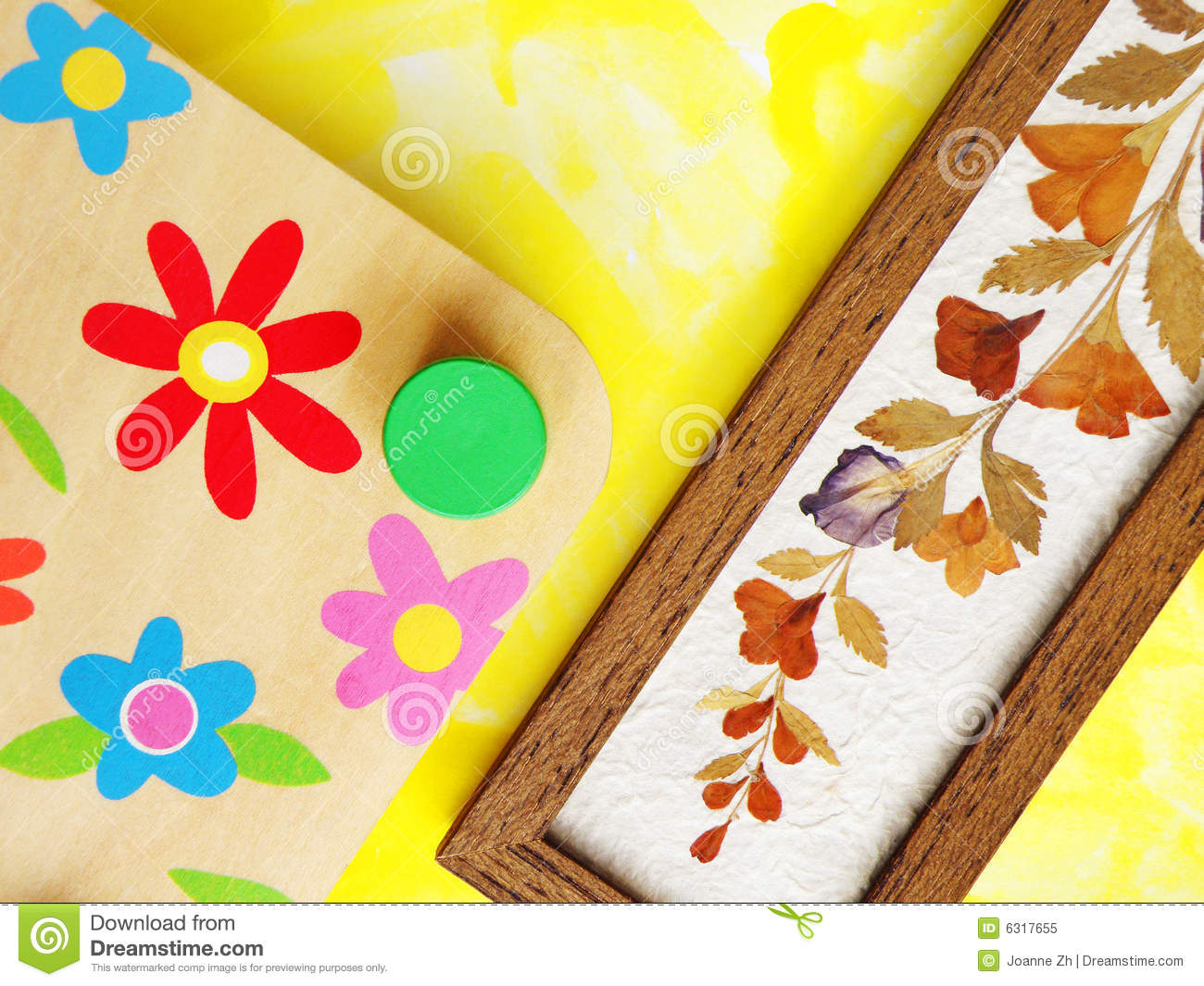 Hobby Plant Press And Dried Flowers Royalty Free Stock Image
