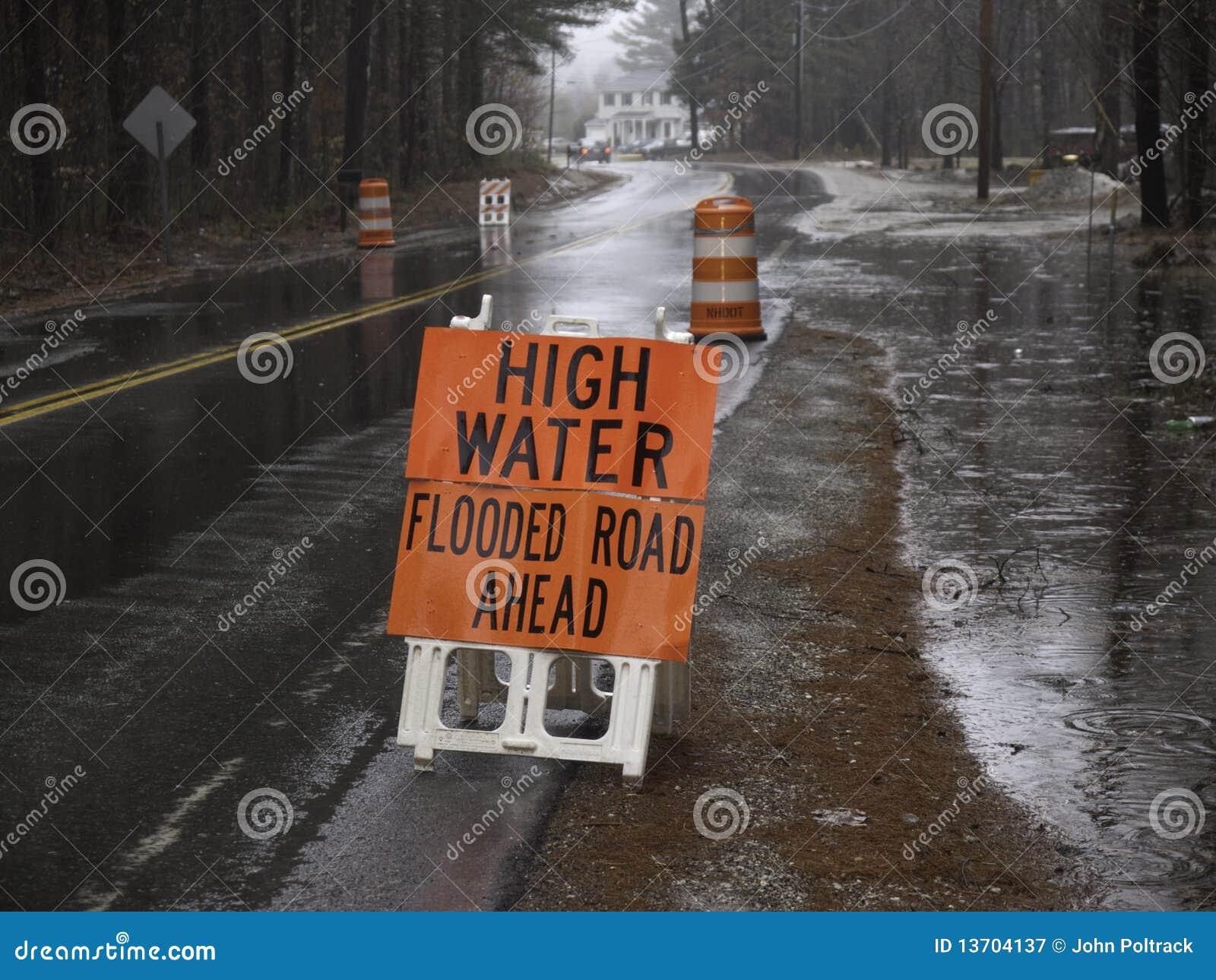 Hochwasser in der Straße