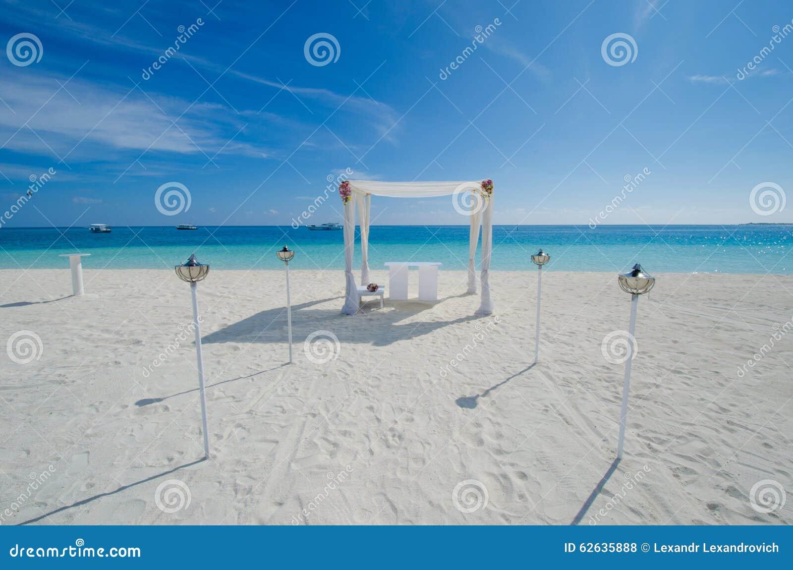 Hochzeit Gegrundet Bei Malediven Stockfoto Bild Von Blumenstrauss