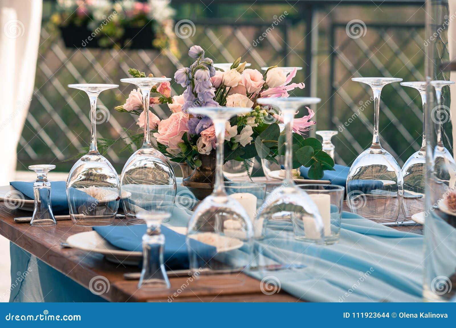 Hochzeits Oder Ereignisdekorationstabelleneinrichtung Blaue