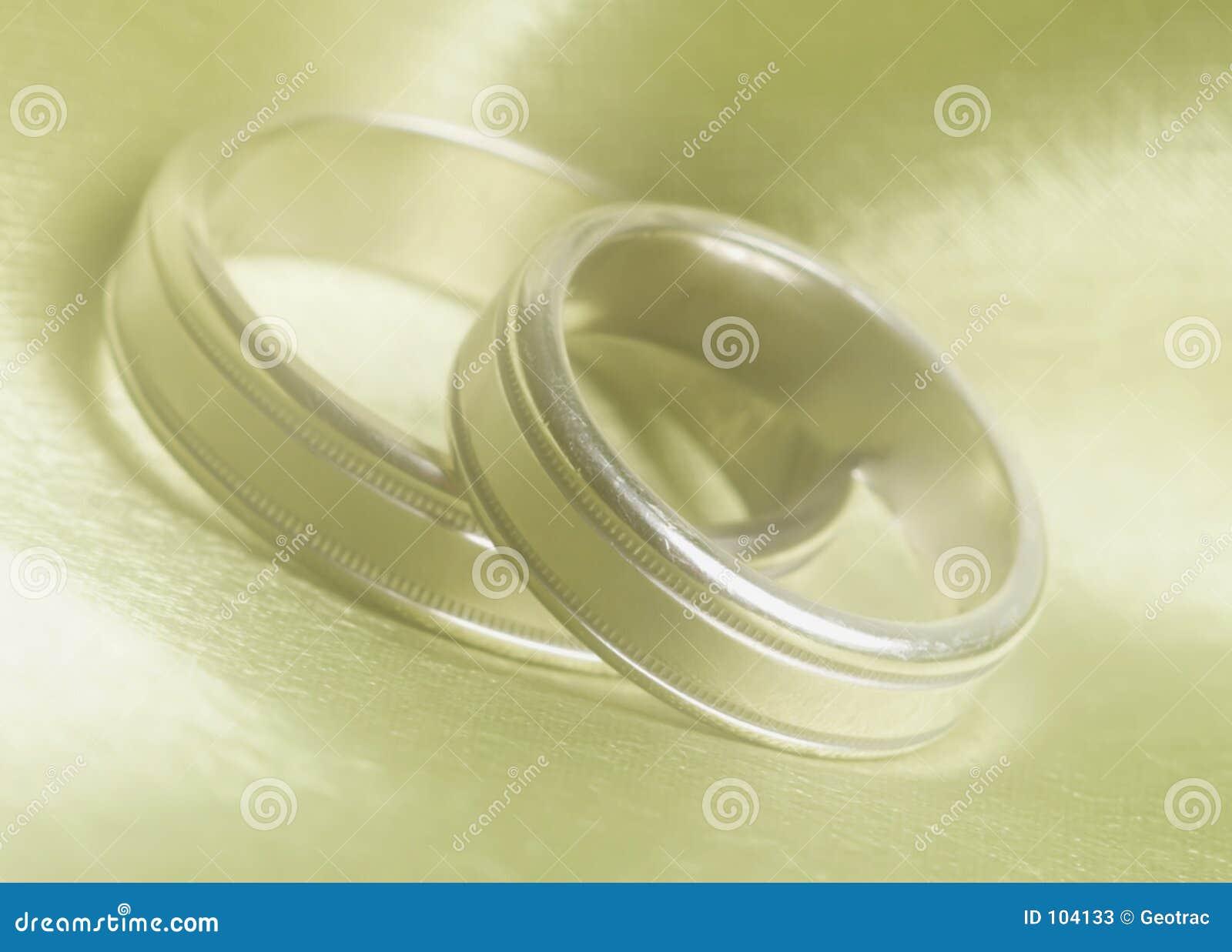 Hochzeitsbänder schließen oben