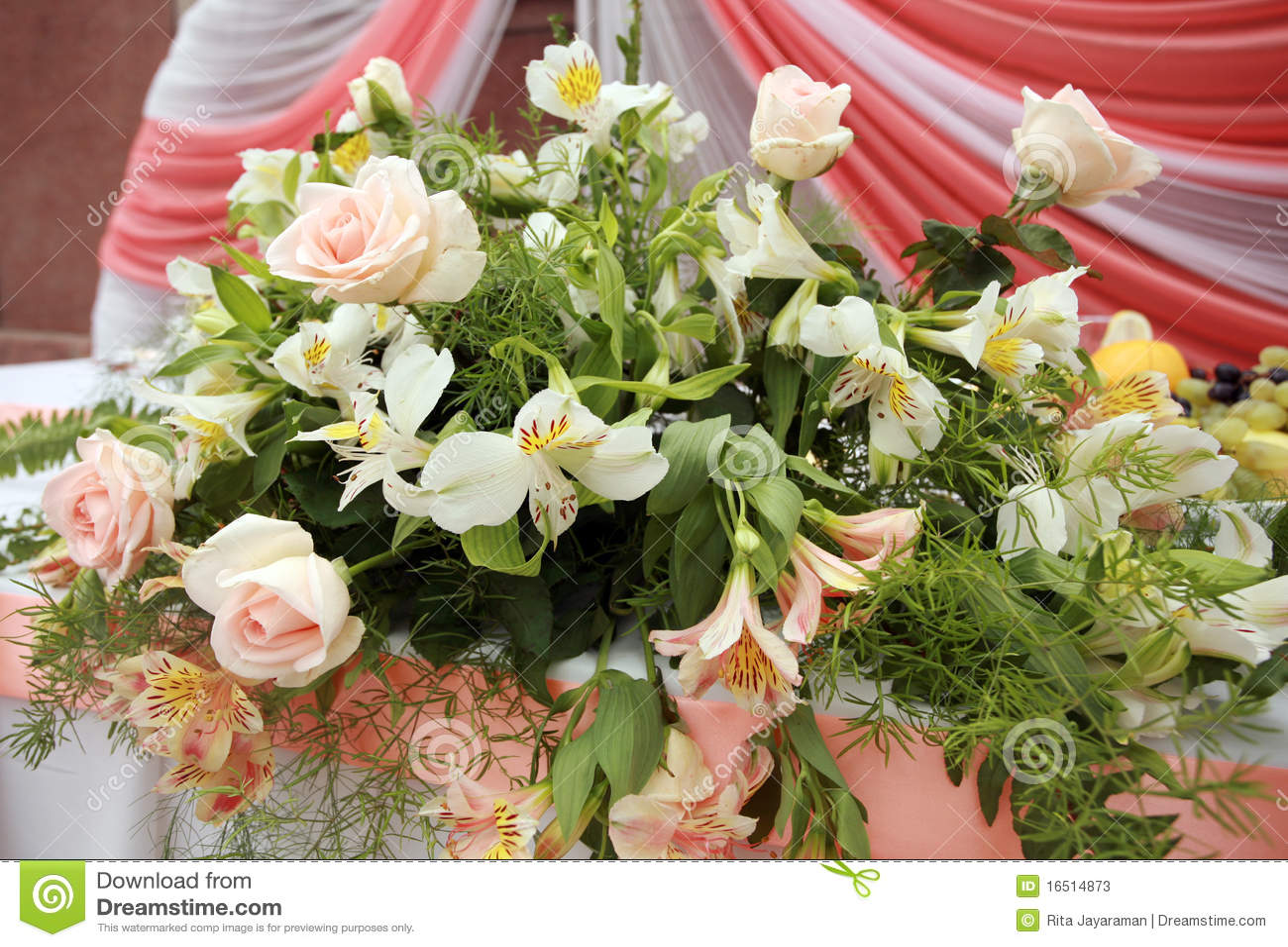 Hochzeitsblumen Stockbild Bild Von Anordnung Liebe 16514873