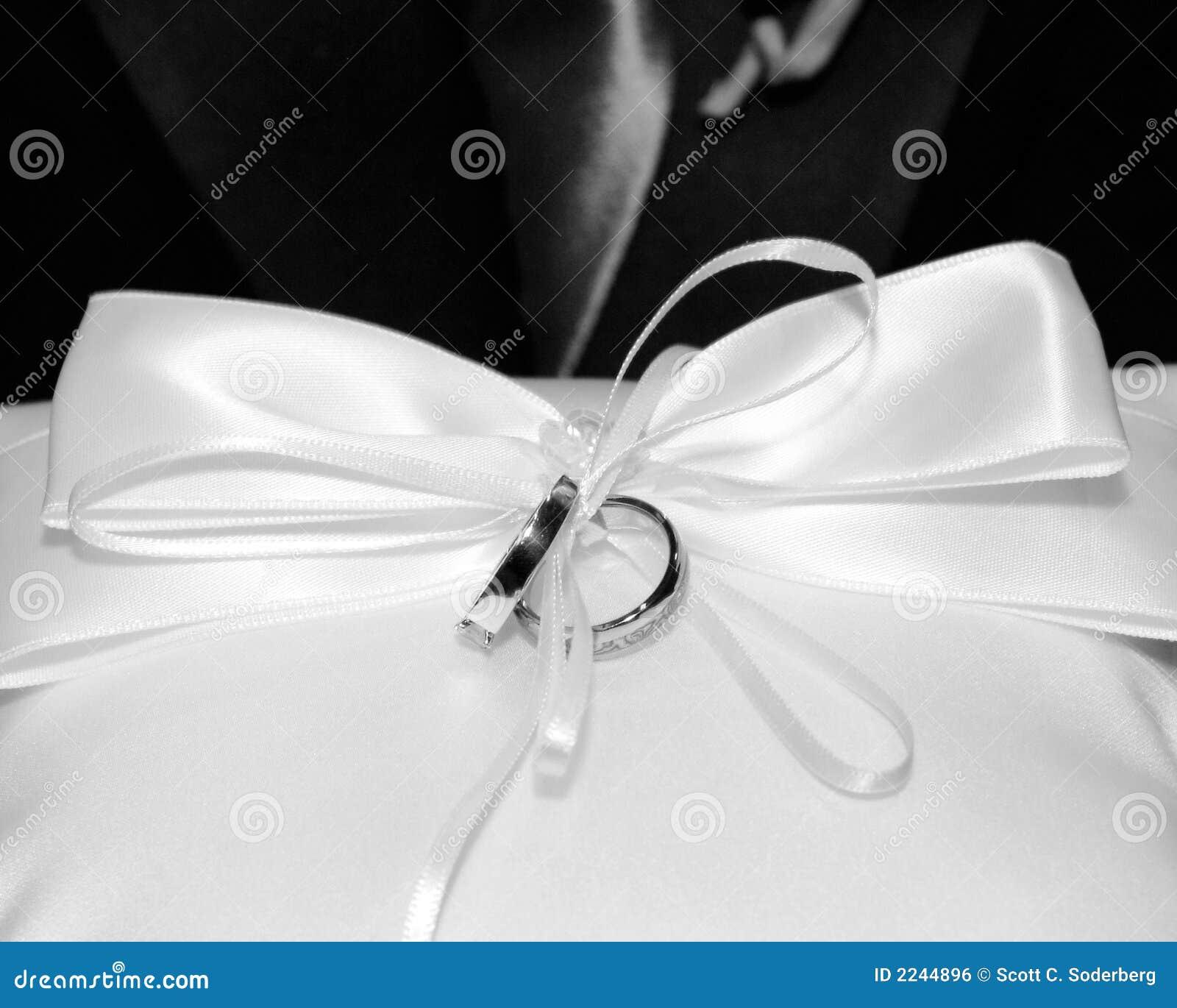 Hochzeitsringe Stockfoto Bild Von Band Hochzeit Ring 2244896
