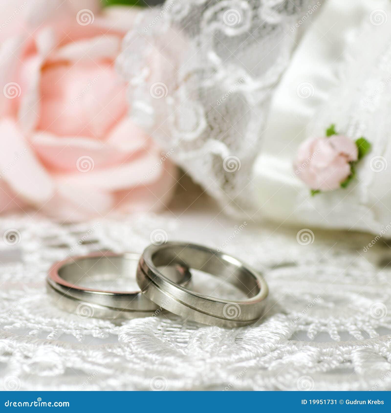 Hochzeitsringe Auf Nostalgischem Hintergrund Stockbild Bild Von