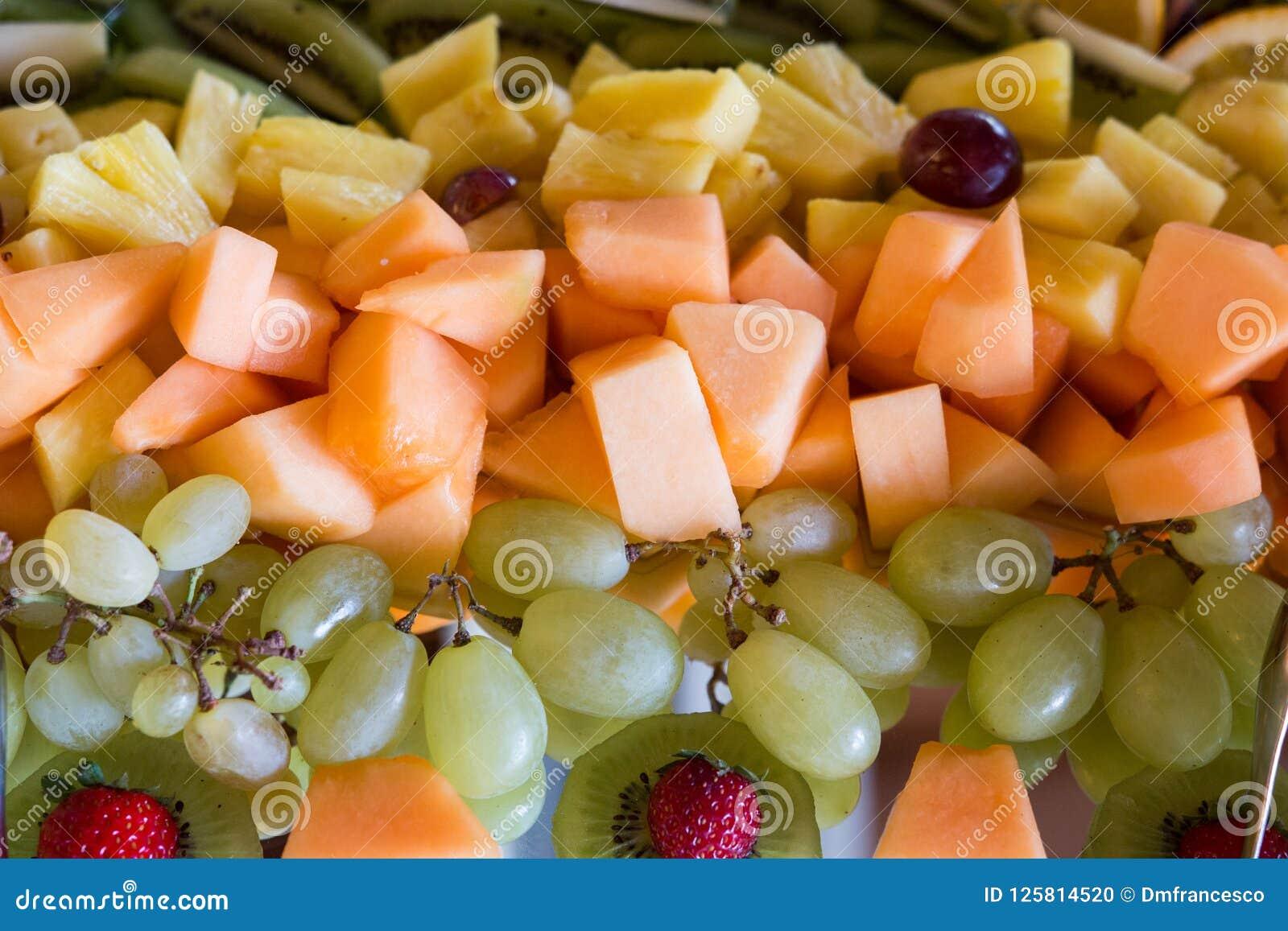 Hochzeitstorte Der Frischen Frucht Stockfoto Bild Von Fruchte