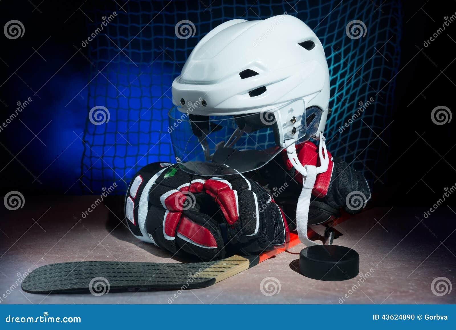 Hockey gear o ice