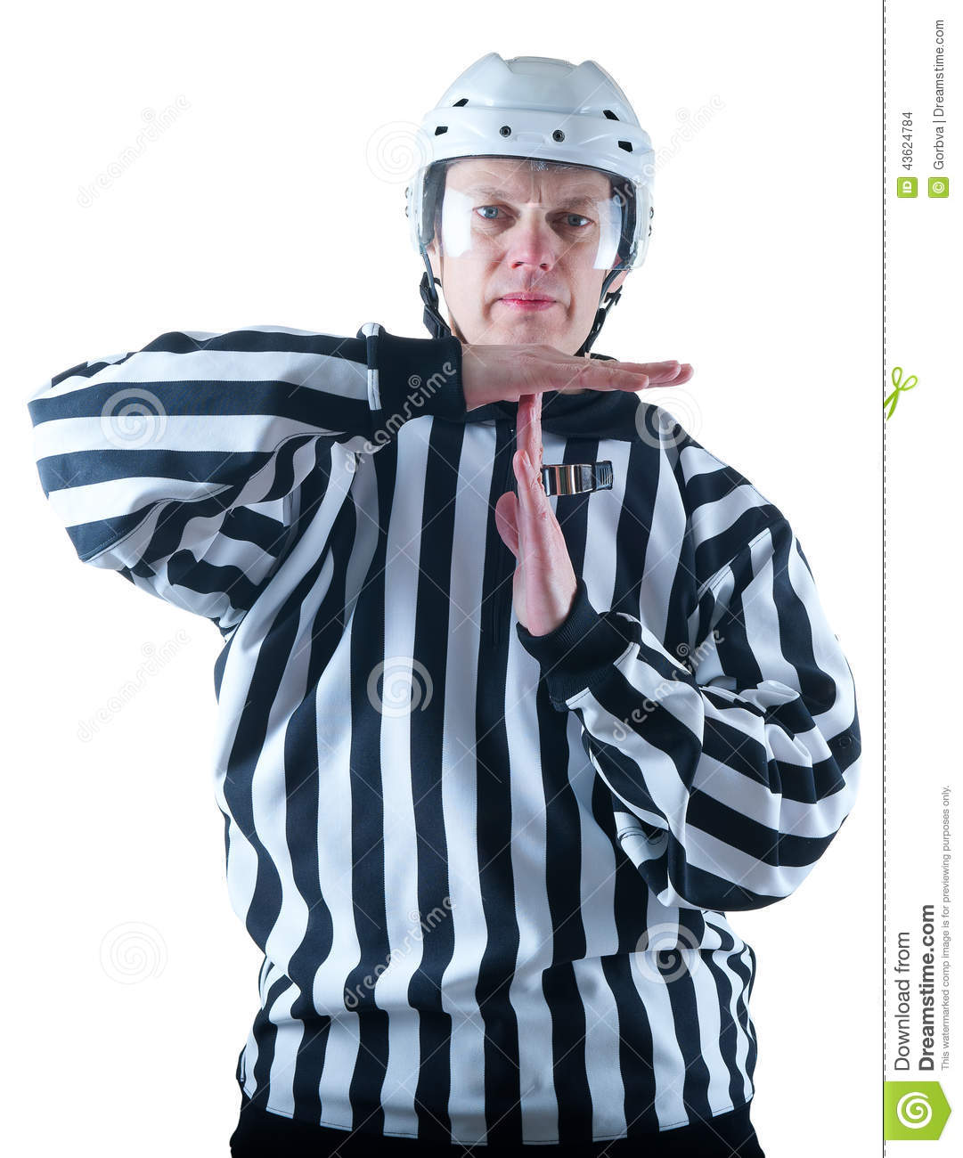 how to become a hockey referee