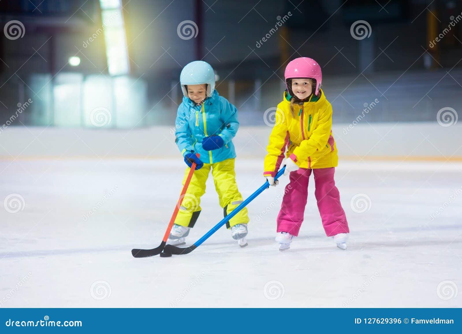Hockey sobre hielo del juego de niños Embroma deporte de invierno