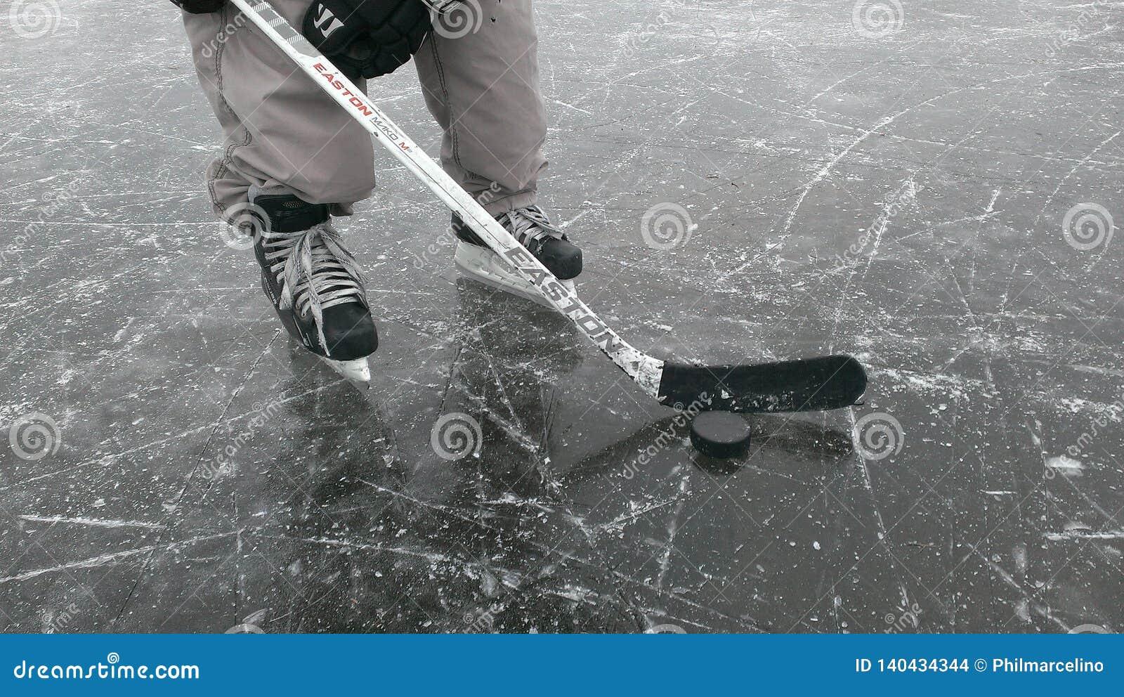 Hockeyspeler op het ijs