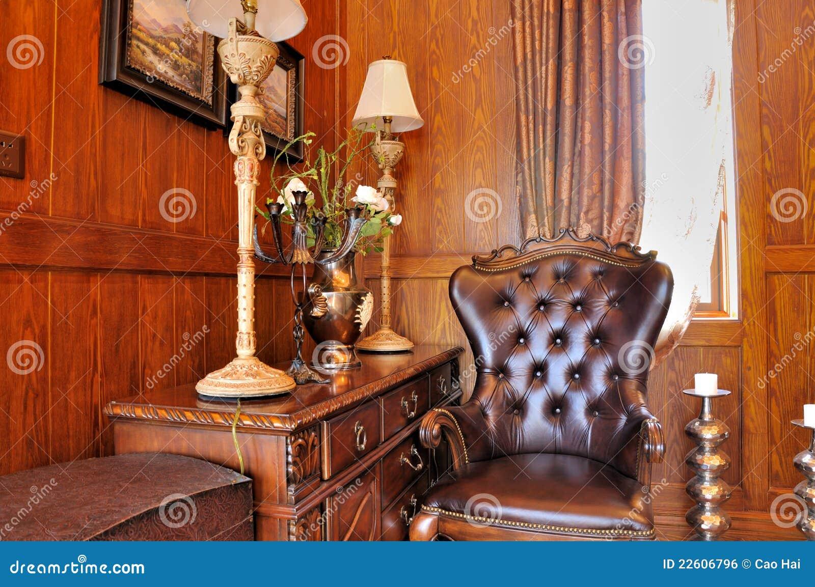 Hoek van woonkamer in houten decoratie royalty vrije stock for Houten schijven decoratie