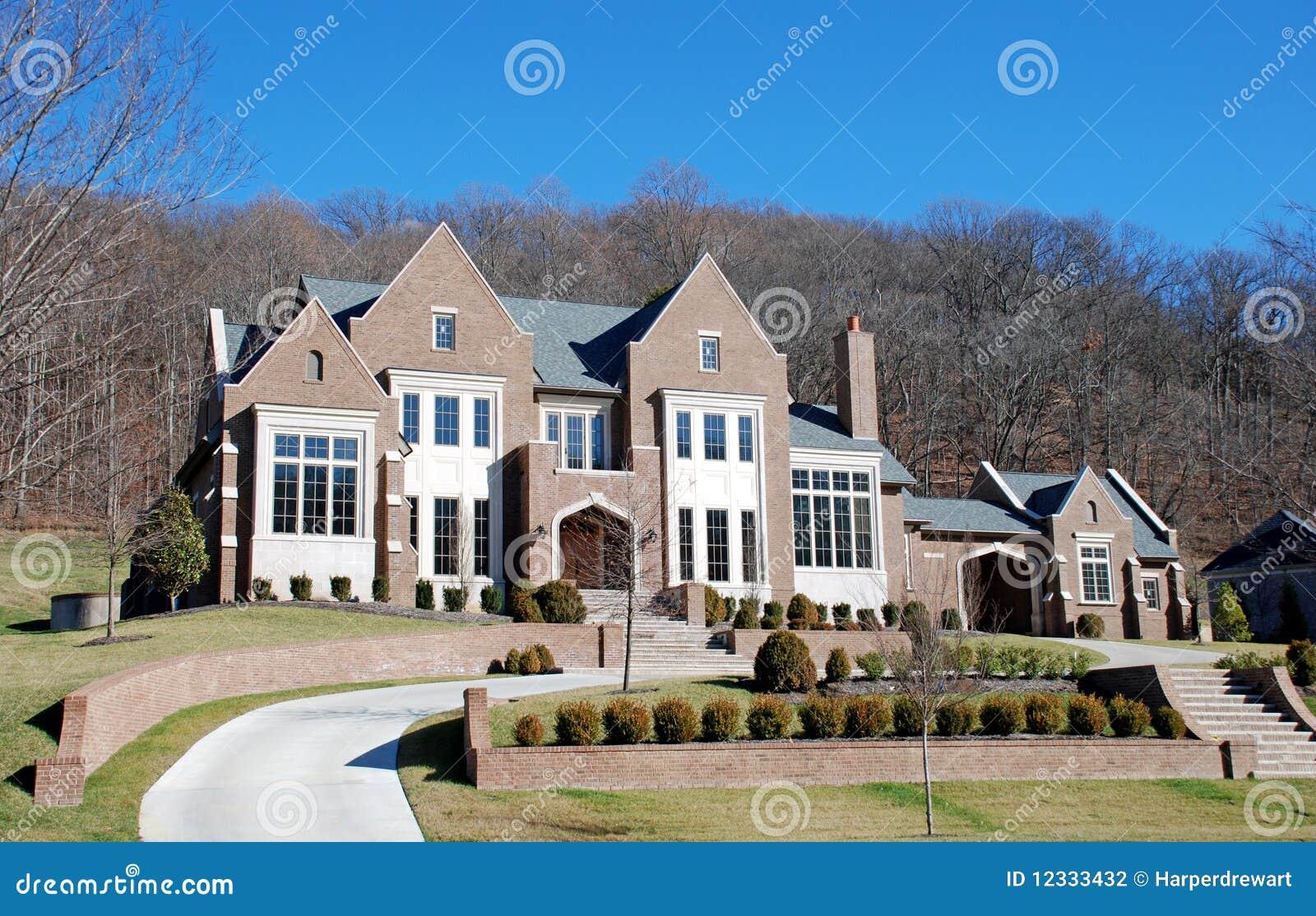 Hoekig huis 28 van de luxe stock fotografie afbeelding 12333432 - Eigentijds buitenkant terras ...