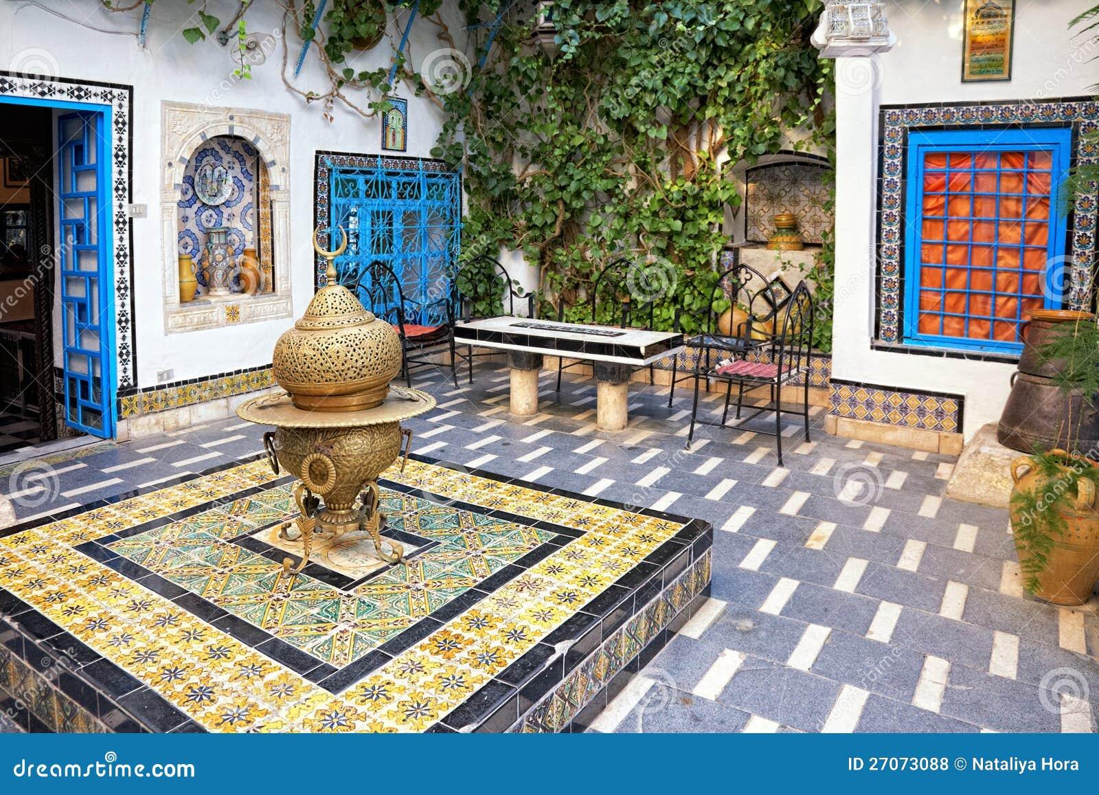 Hof bei sidi bou besagt tunis tunesien lizenzfreie for Maison de senteur tunisie adresse