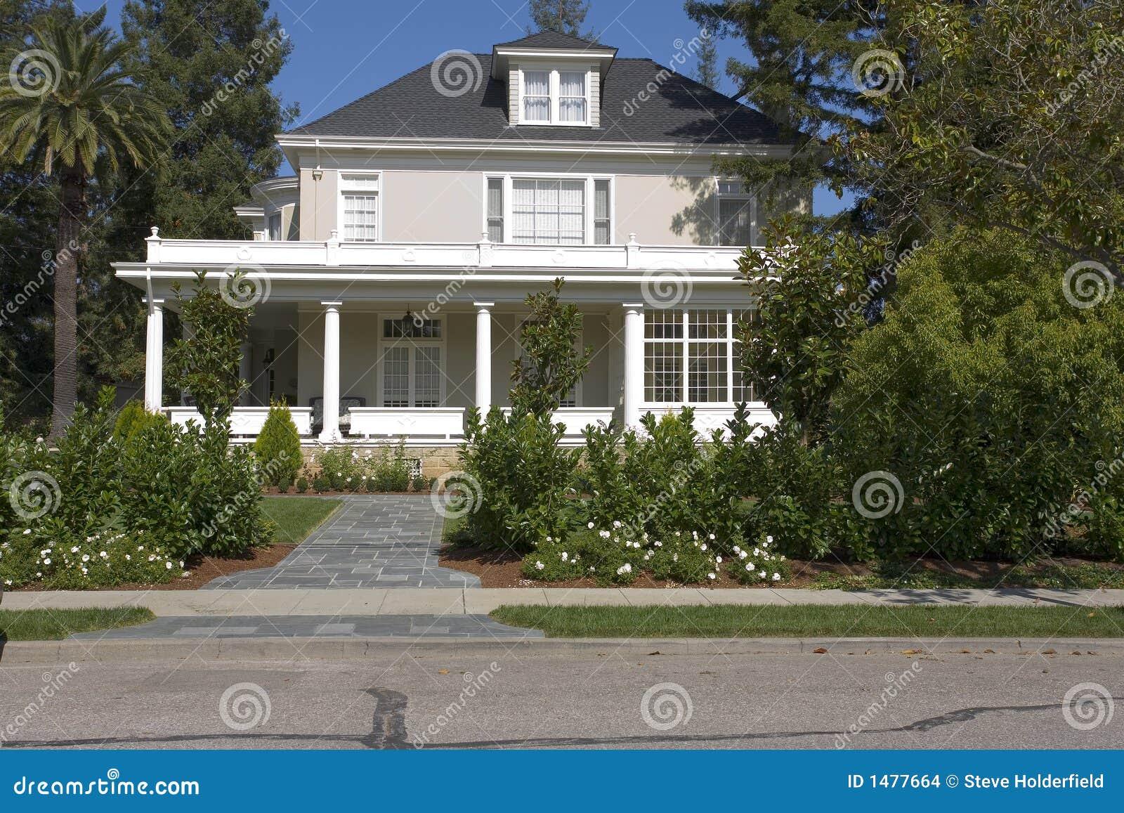 Hogar de dos pisos en el sur de la península de San Francisco, CA