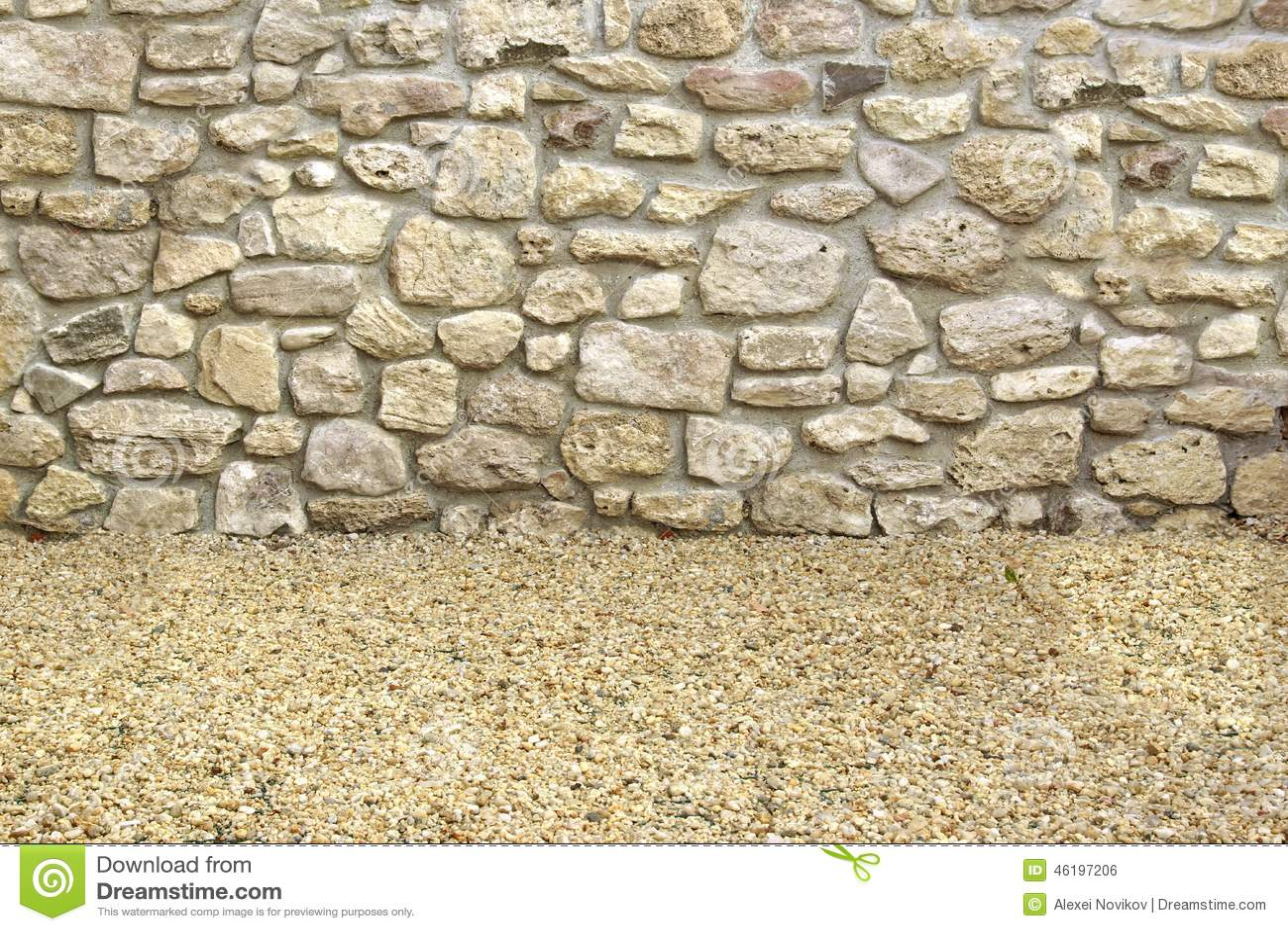 Hogar exterior con la pared de piedra y el piso foto de - Pared de piedra interior ...