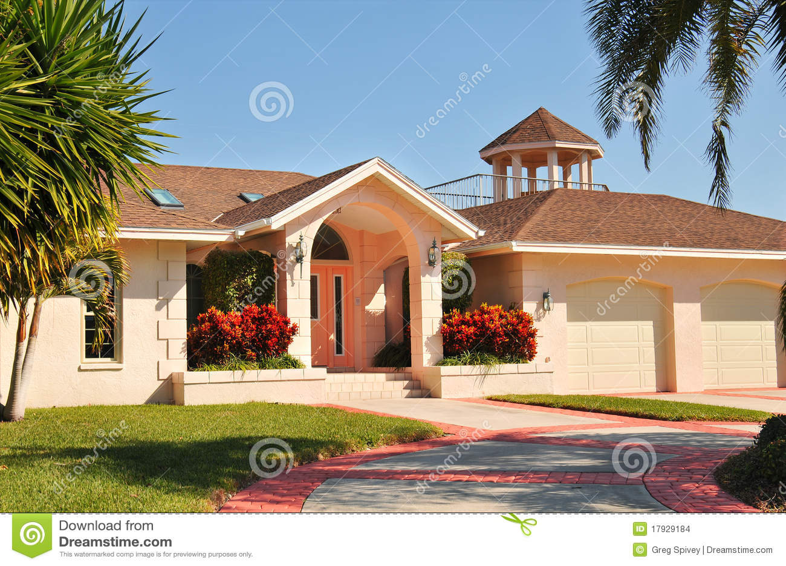 Hogar moderno del estilo del rancho con el gazebo foto de for Piani artigiano stile ranch casa