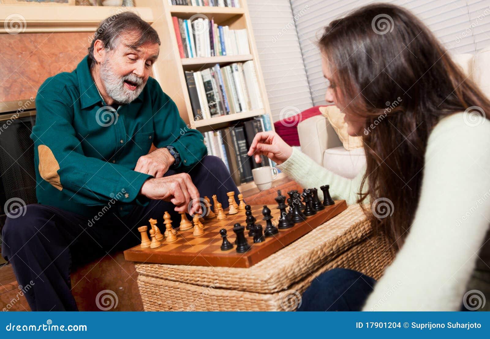 Hoger het spelen schaak