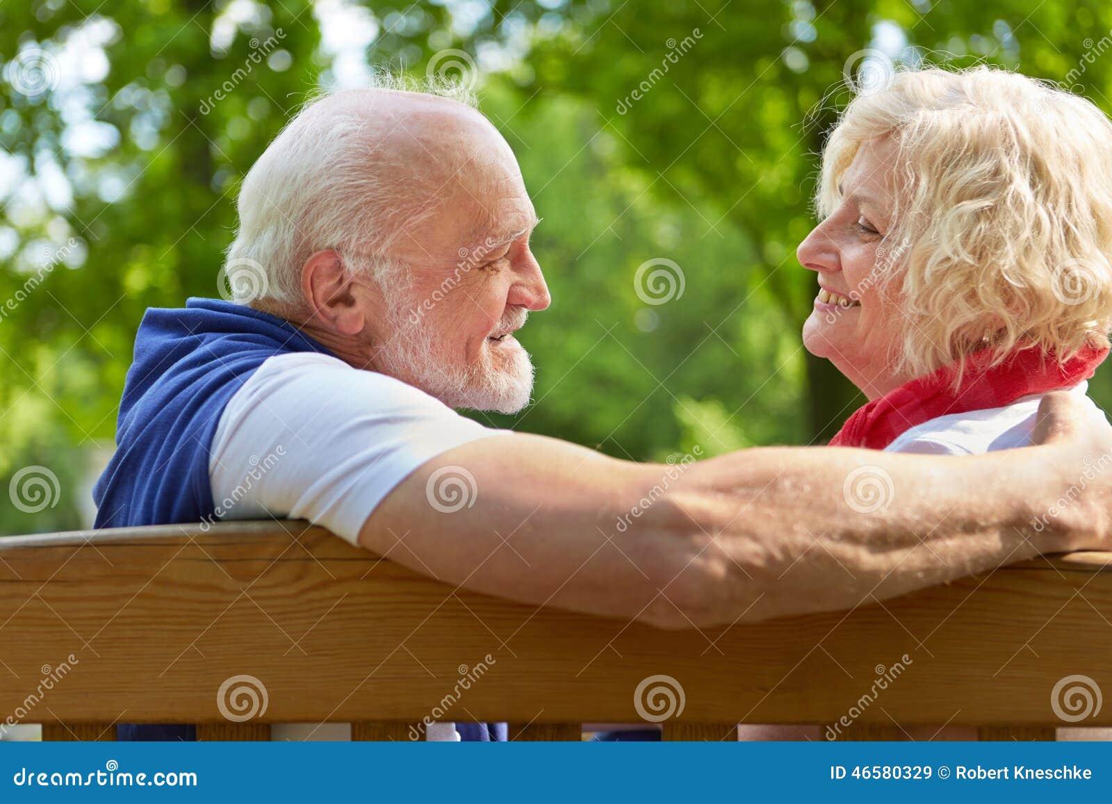 Flirten op de bank