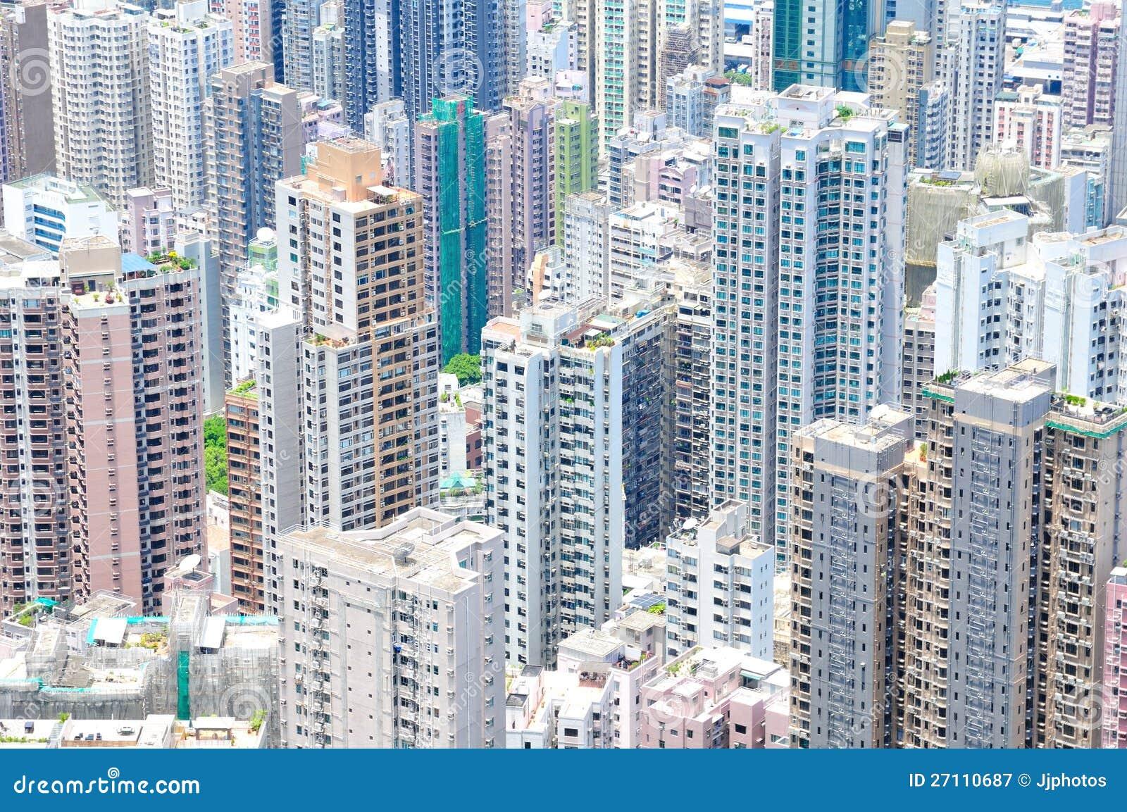 Hohe Anstiege, die Grundbesitz-Ausbreitung verursachen