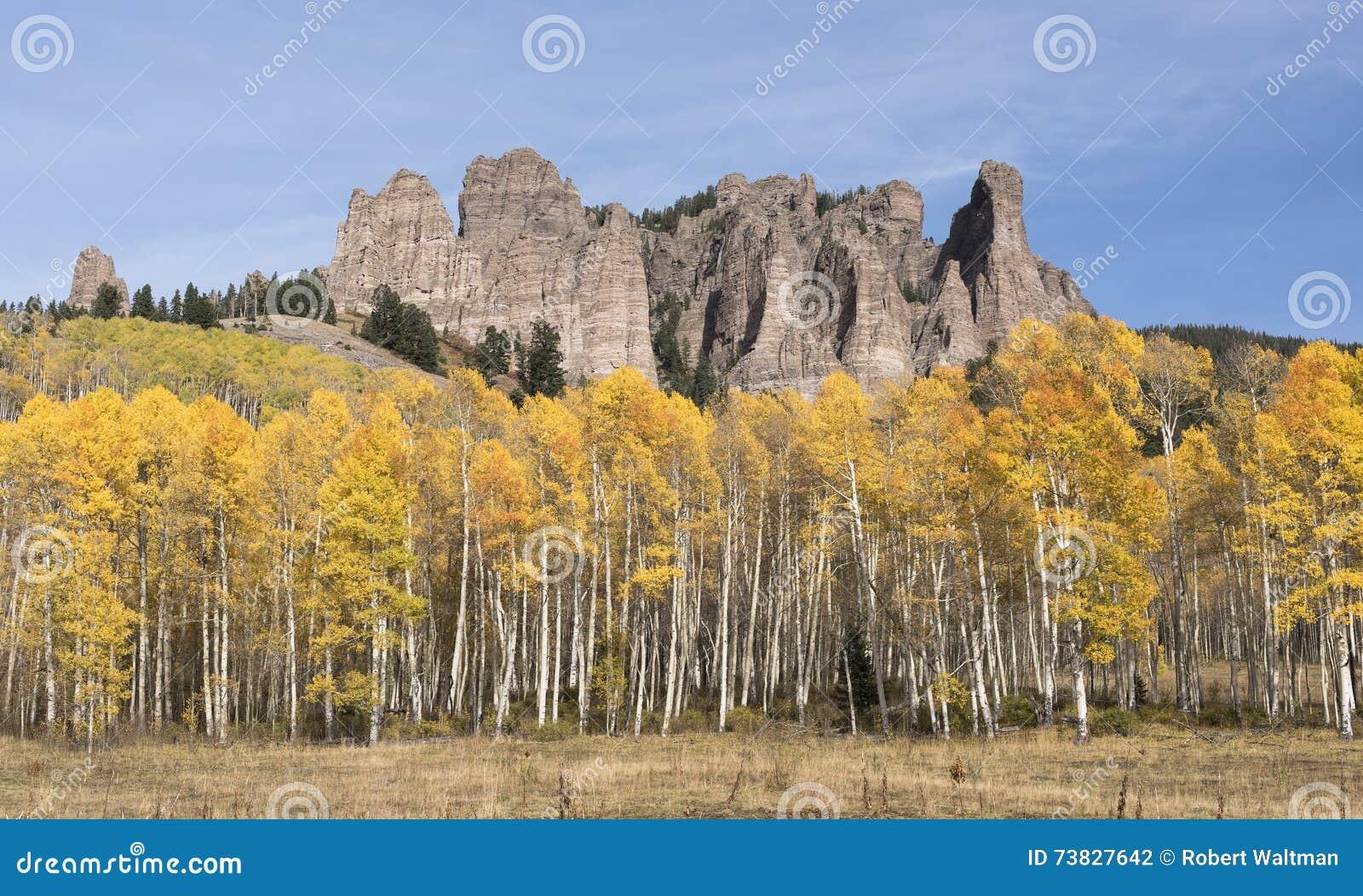 Hoher Mesa Pinnacles im Herbst