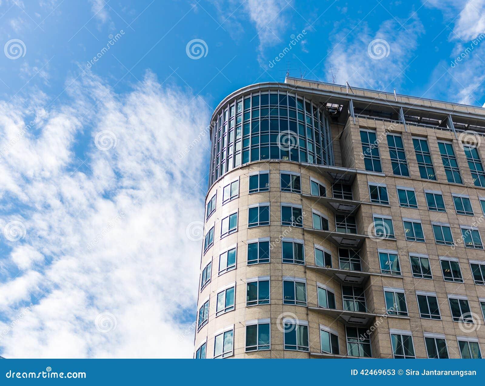 Hohes Gebäude in der Mäuseansicht