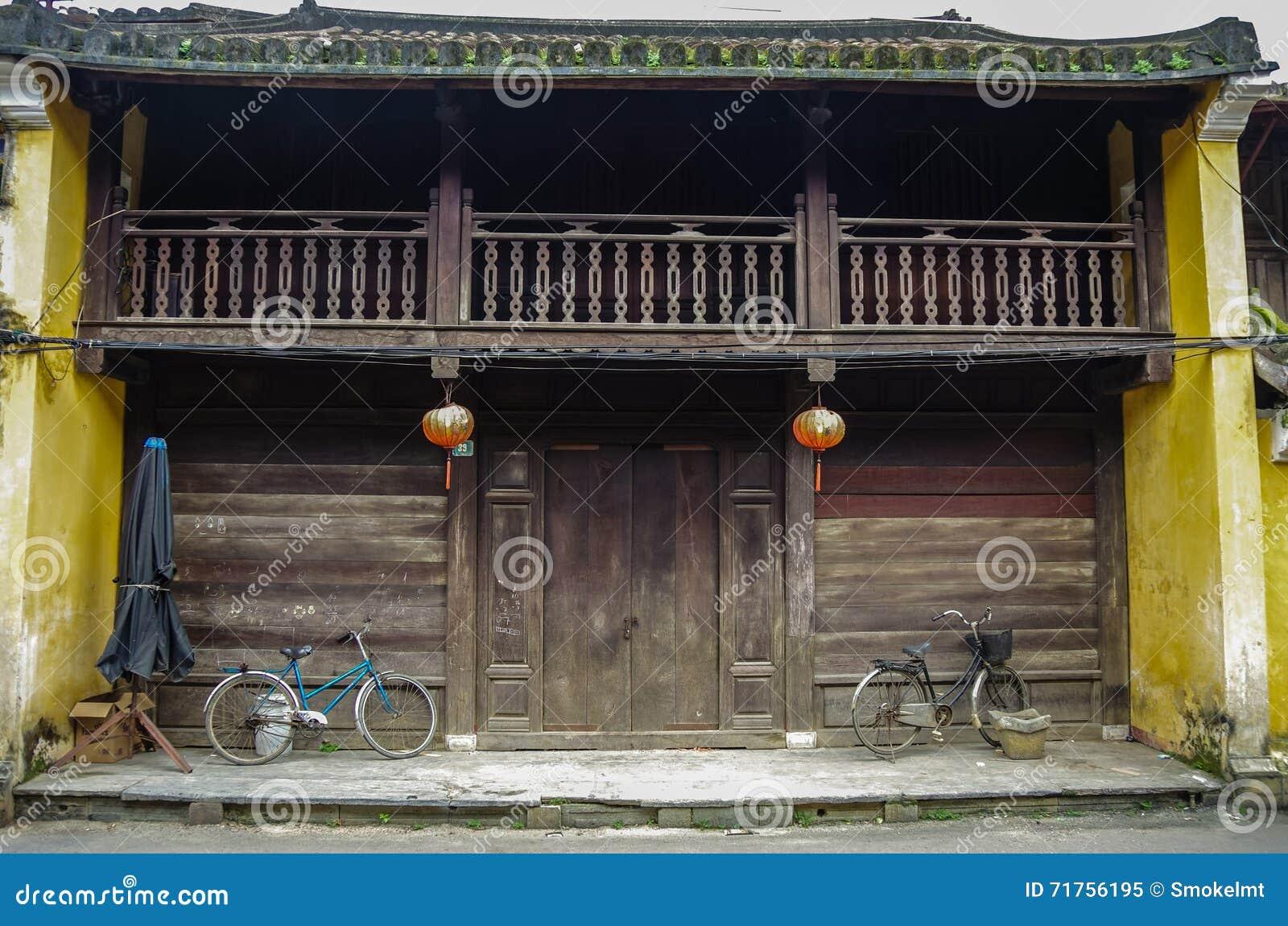 HOI, ΒΙΕΤΝΆΜ - 7 Ιανουαρίου 2015: Το παλαιό παραδοσιακό κινέζικο επιζητά