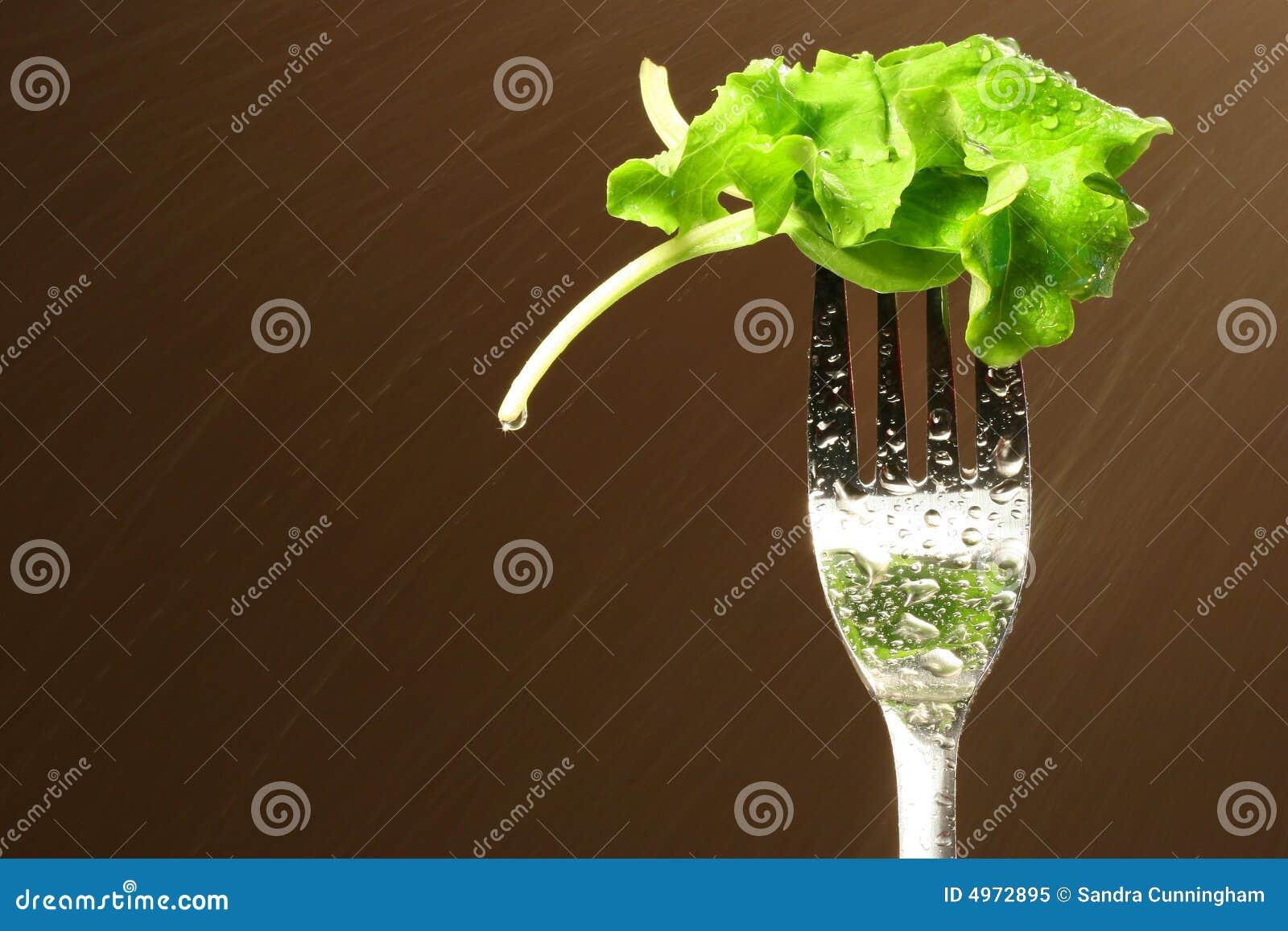 Hoja de la lechuga en una fork
