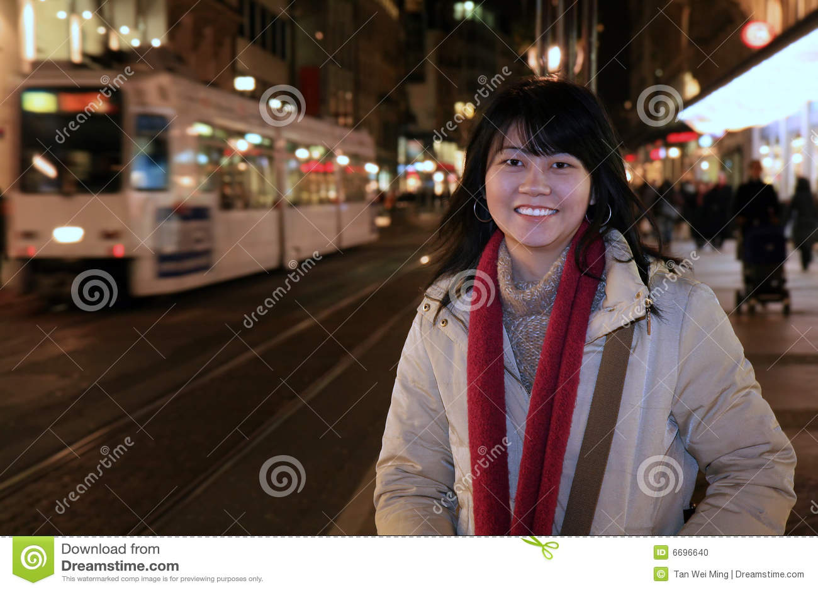 Hojas de ruta (traveler) asiáticas en Europa