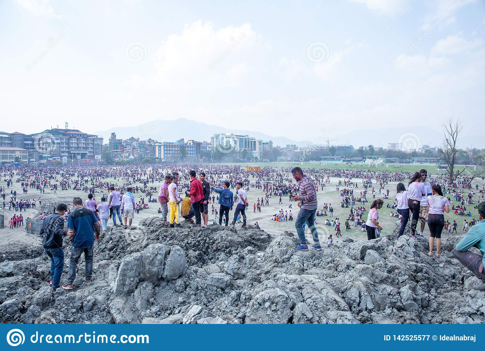Holi het Festival van Kleurenviering in Tundikhel Katmandu Nepal