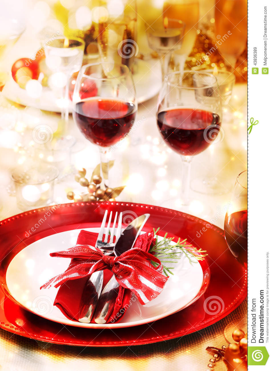 Setting A Dinner Table Dinner Table Setting Elegantly Spooky Table Setting Christmas