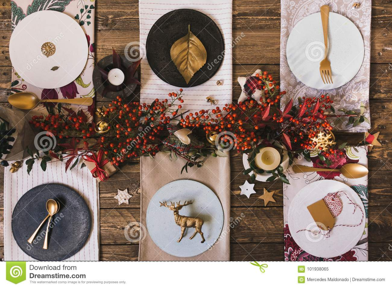 Miraculous Holiday Gold Place Setting Funny Christmas Table With Download Free Architecture Designs Grimeyleaguecom