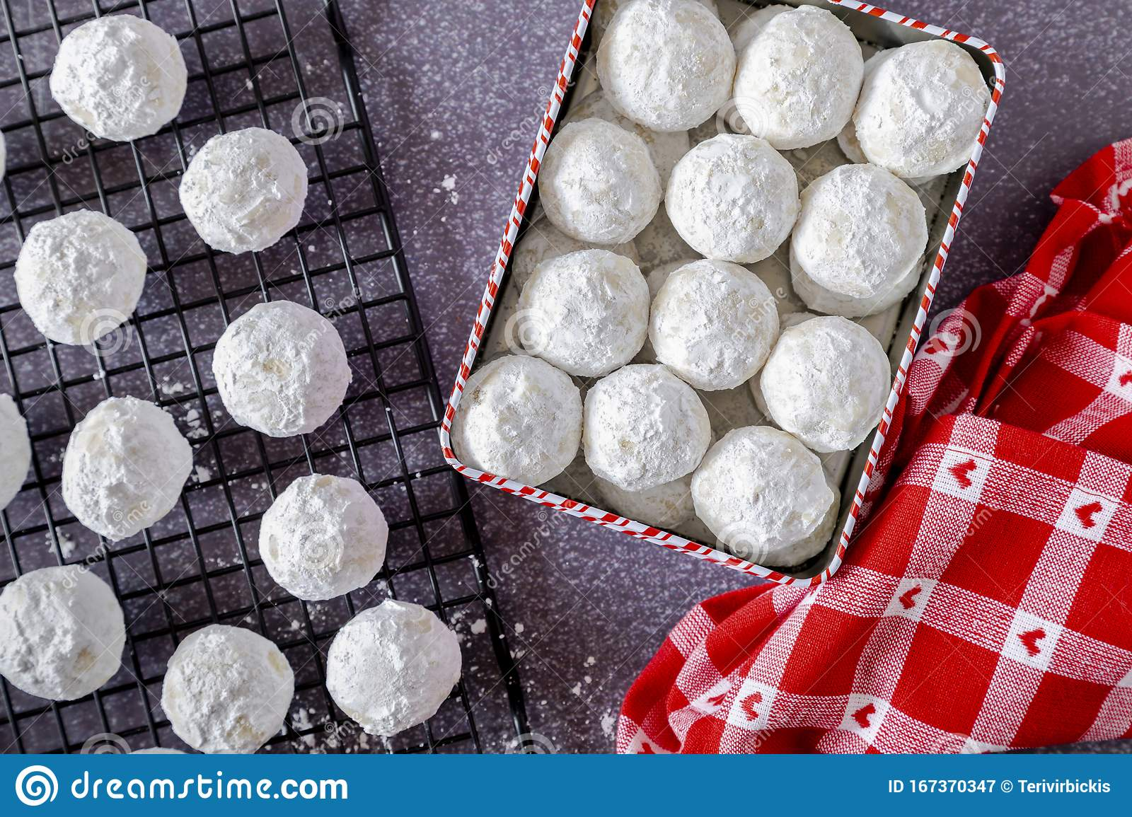 Holiday Snowball And Mexican Wedding Cake Cookies Stock Image Image Of Holiday Pecans 167370347