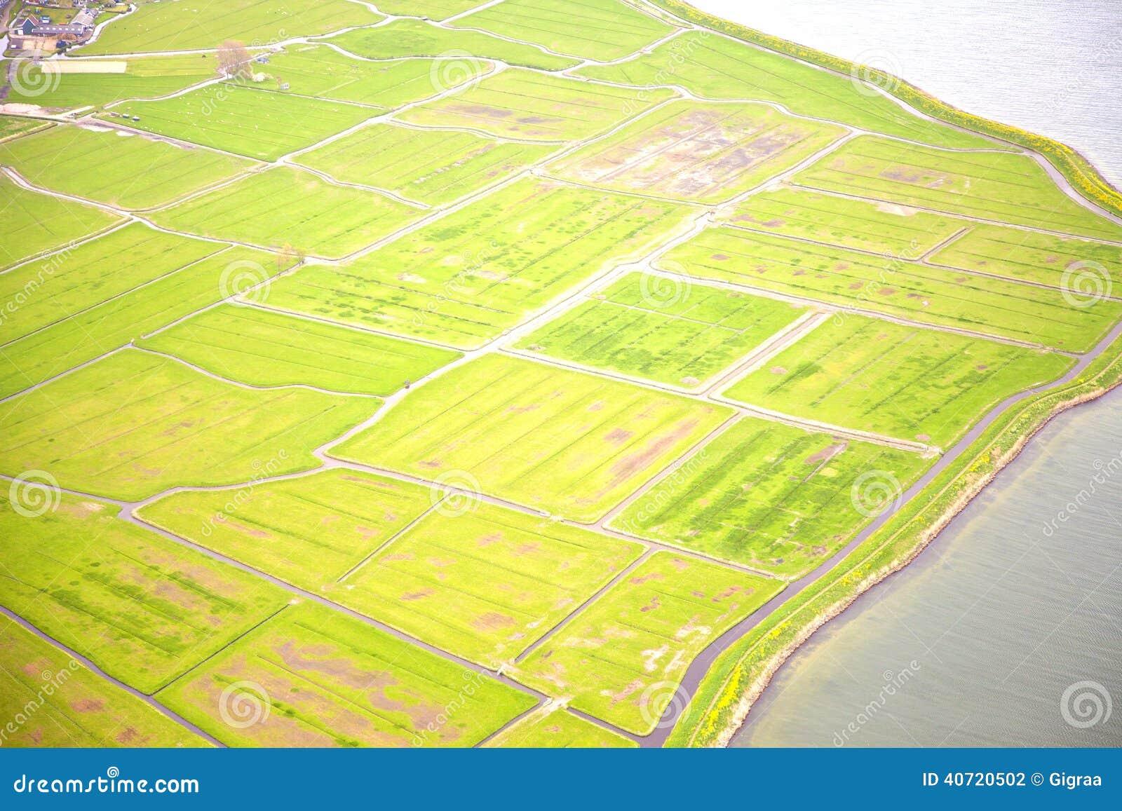 Holländskt lantgårdlandskap från över