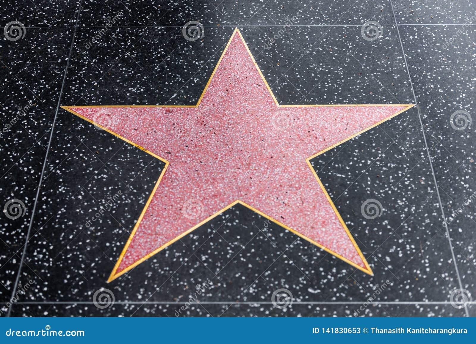Hollywood går av berömmelsemellanrumsstjärnan