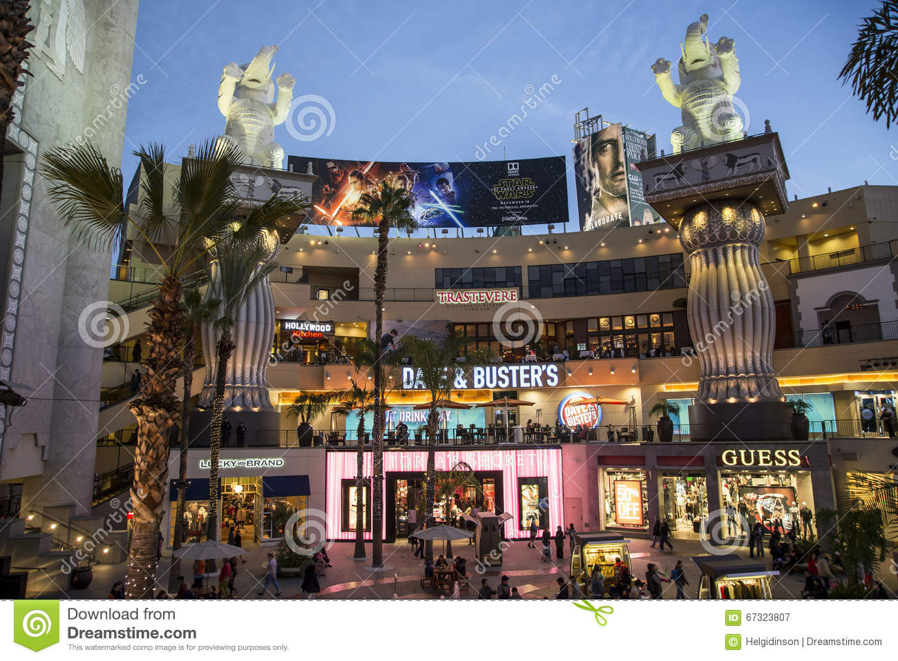 Hollywood highland center editorial photography  Image of fountain