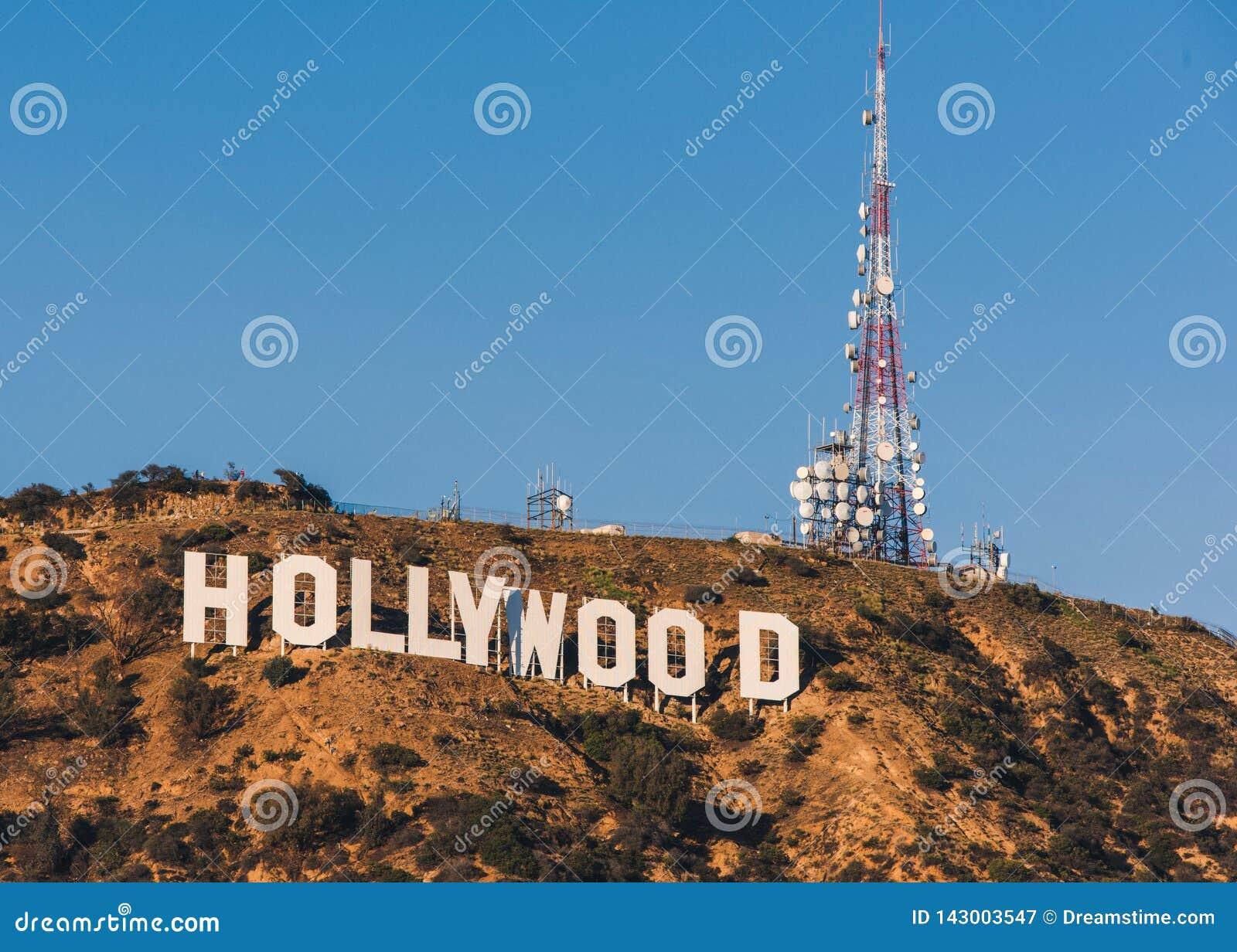 06/12/2015 - Hollywood tecken på en solig dag