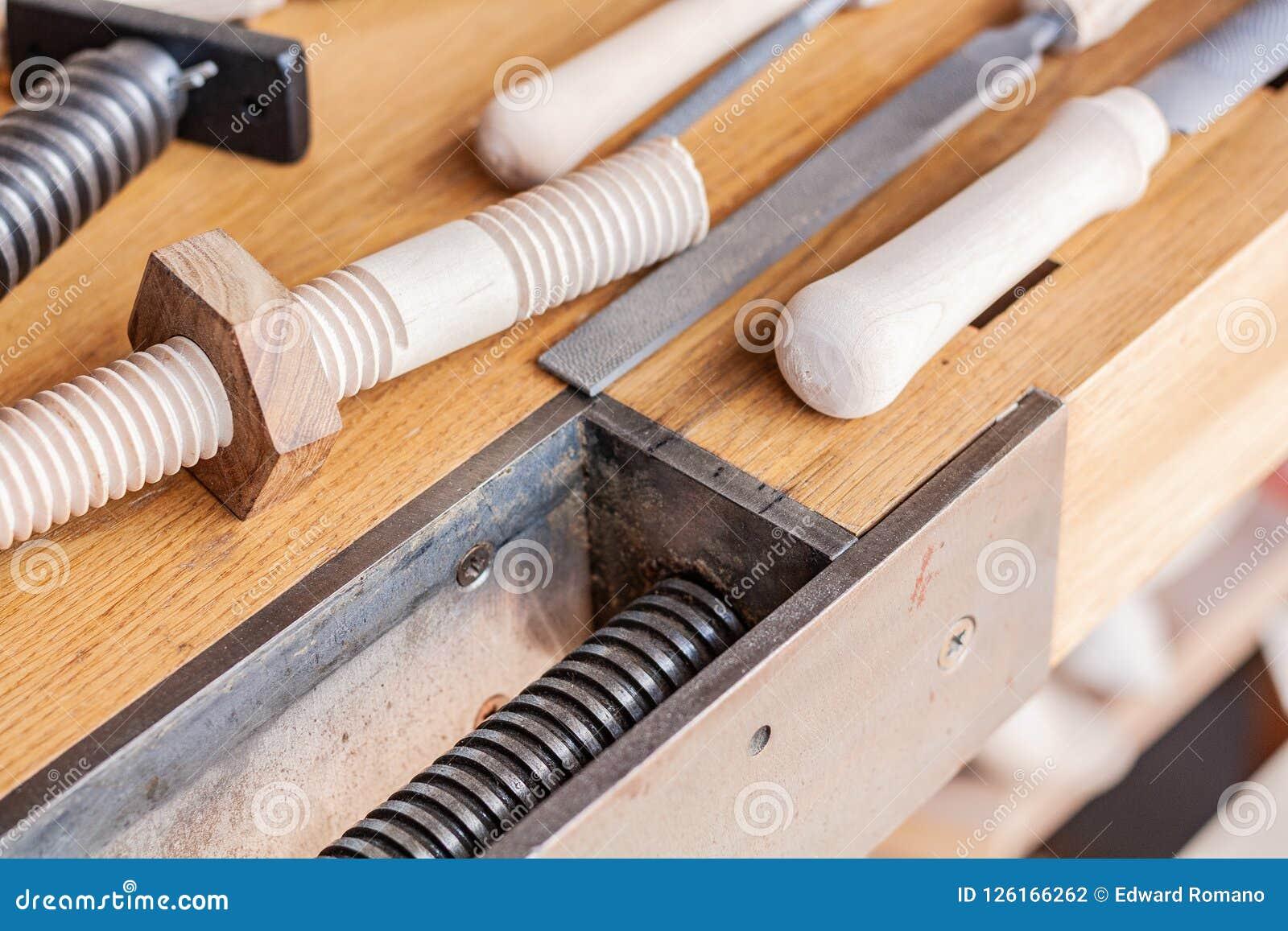 Holzbearbeitungskunst, eine ehrliche Besetzung innerhalb eines stützbaren Lebensstils Zimmerei und Ausschnitt