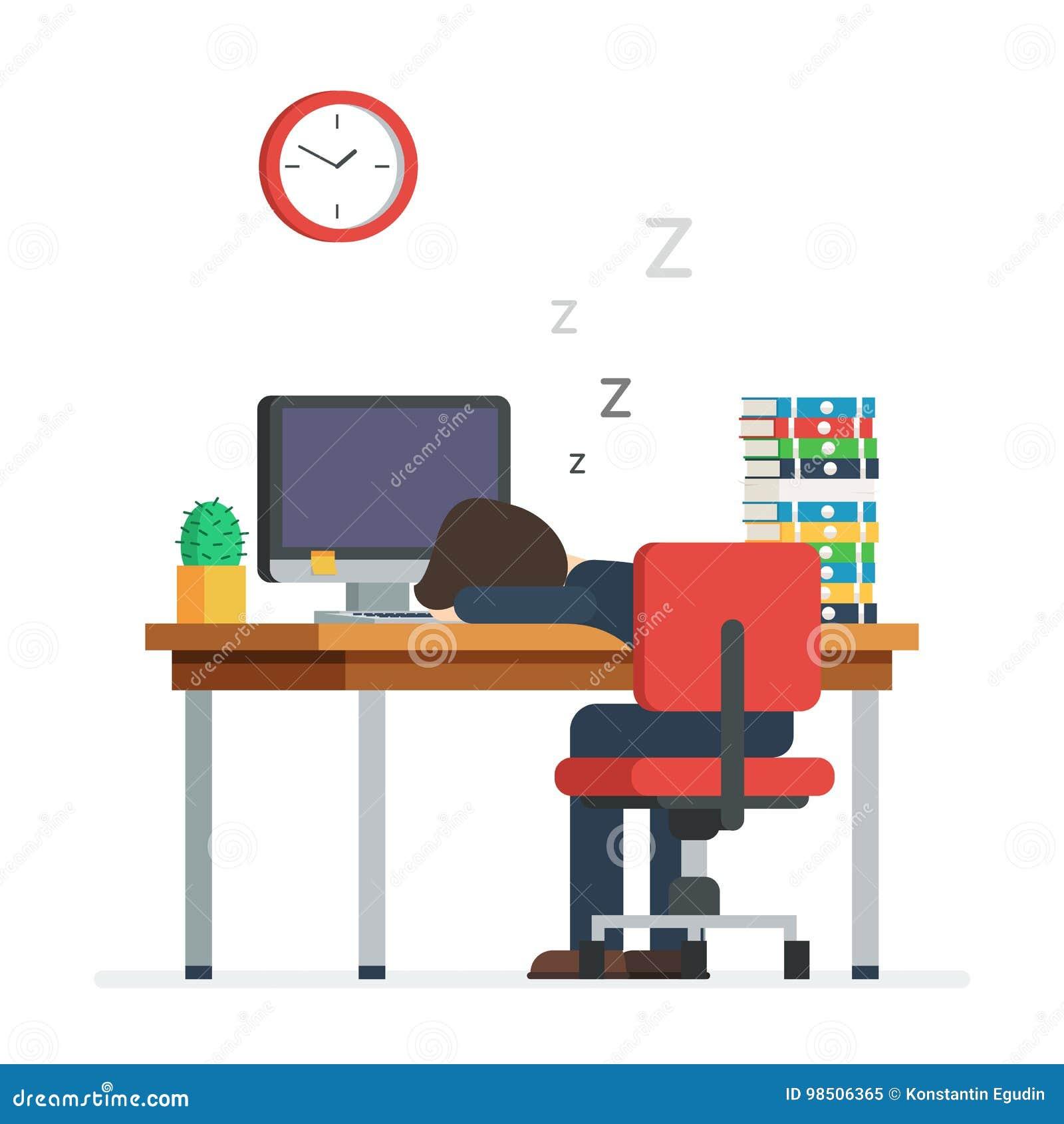 Hombre cansado que duerme en la oficina