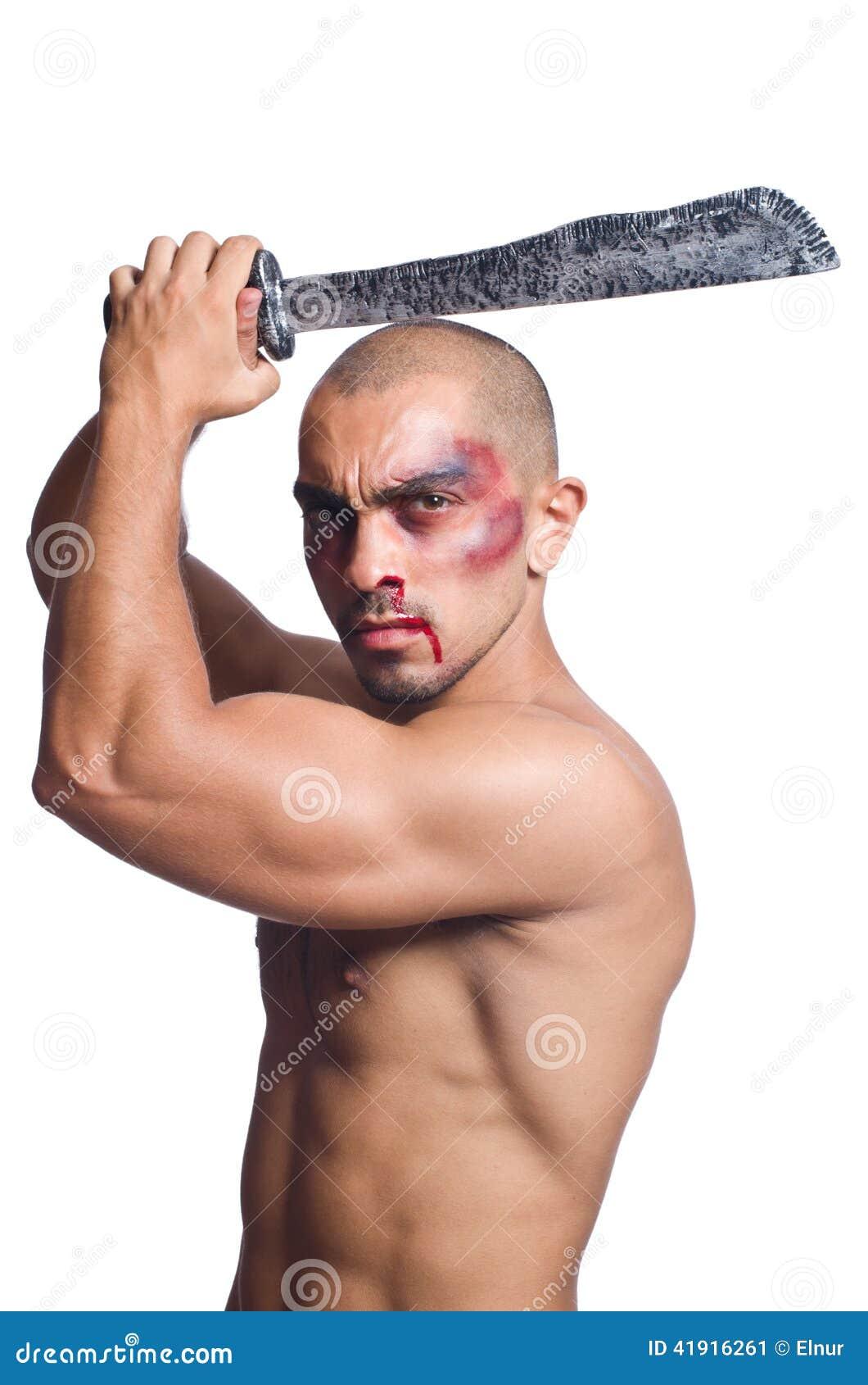 Hombre con la espada aislada